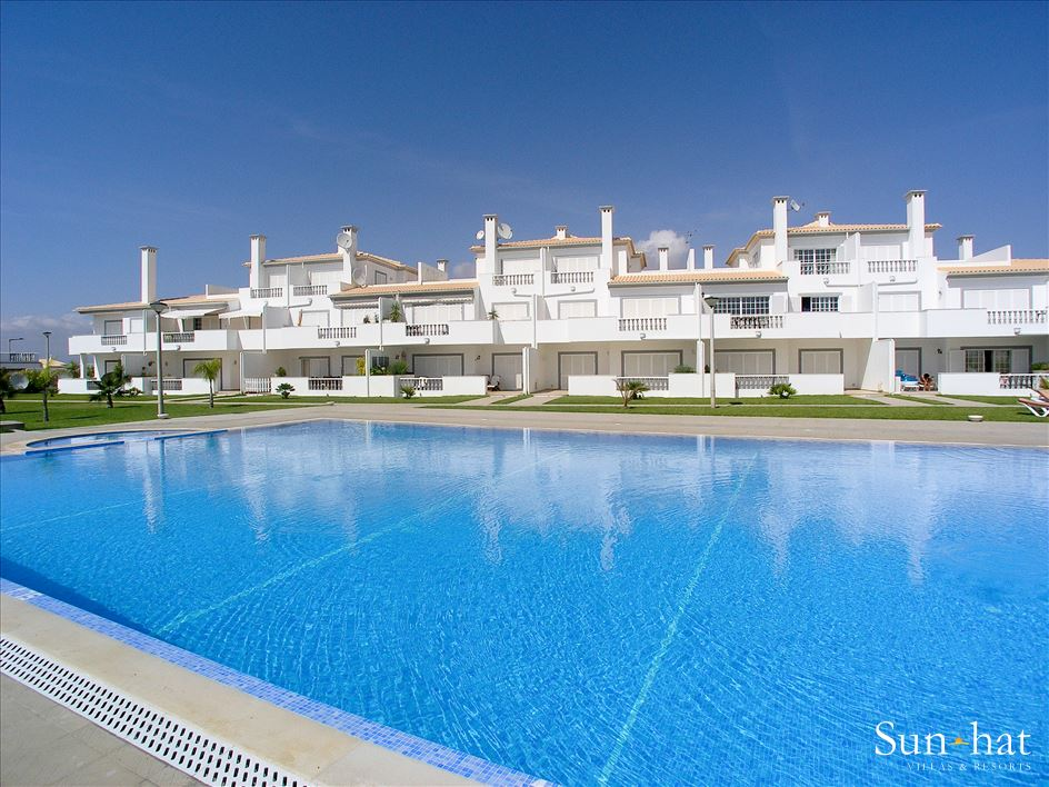 Apt O Monte, For Up to 4 Persons, 2 apartment in Gale, Vale da Parra and Guia, Algarve