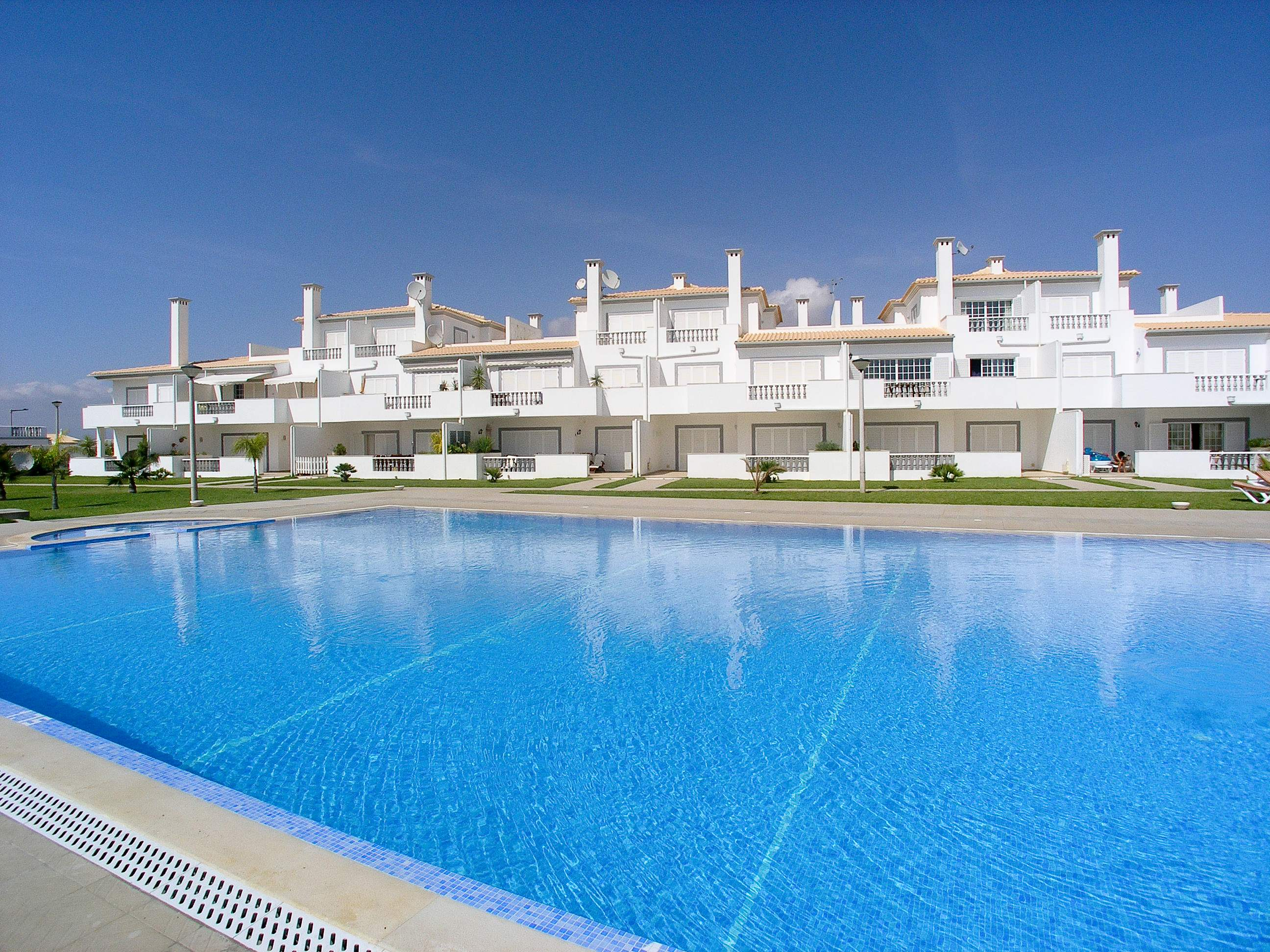 Apt O Monte, Up to 6 Persons, 3 bedroom apartment in Gale, Vale da Parra and Guia, Algarve Photo #1