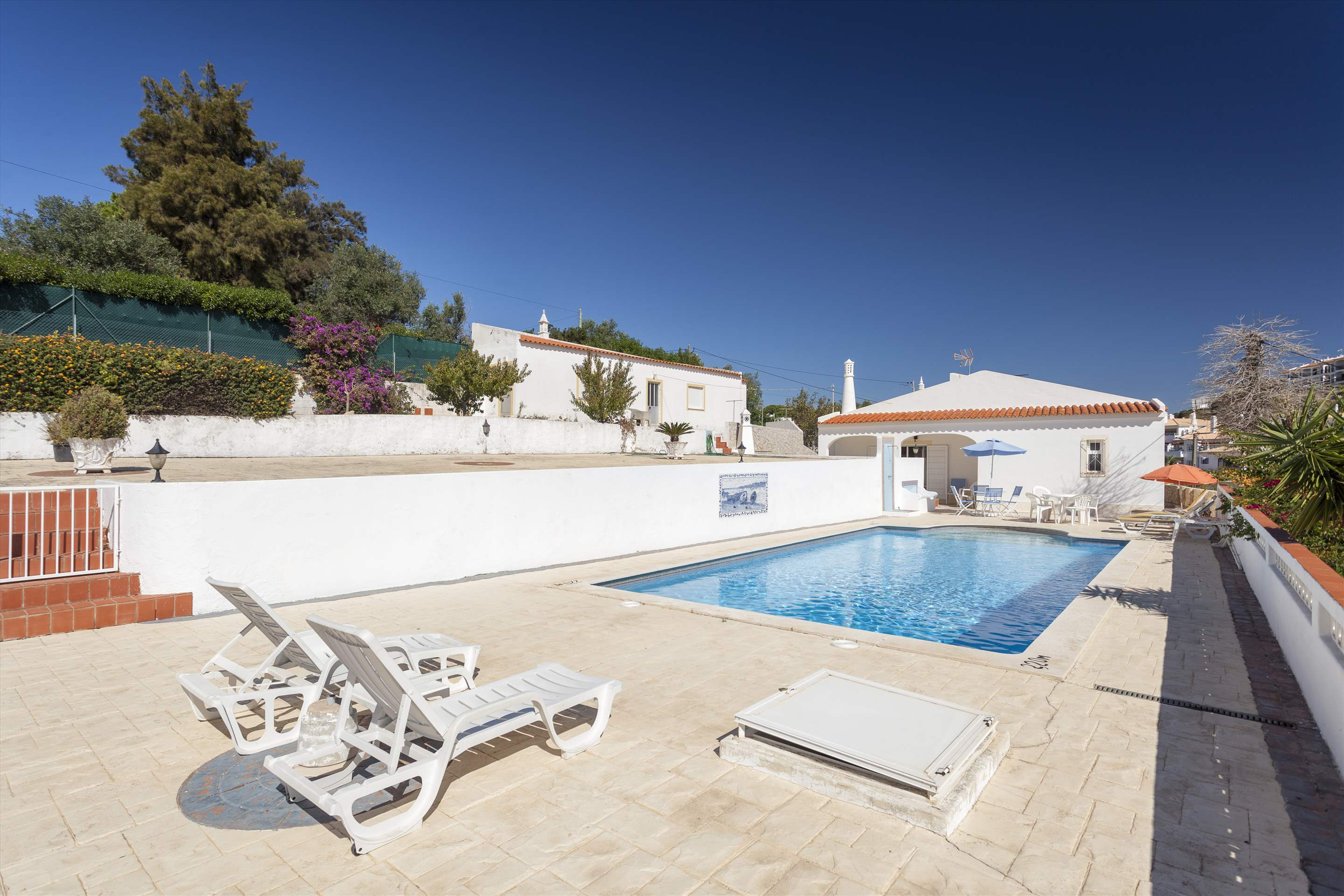 Villa Alice, 3 bedroom villa in Carvoeiro Area, Algarve Photo #10