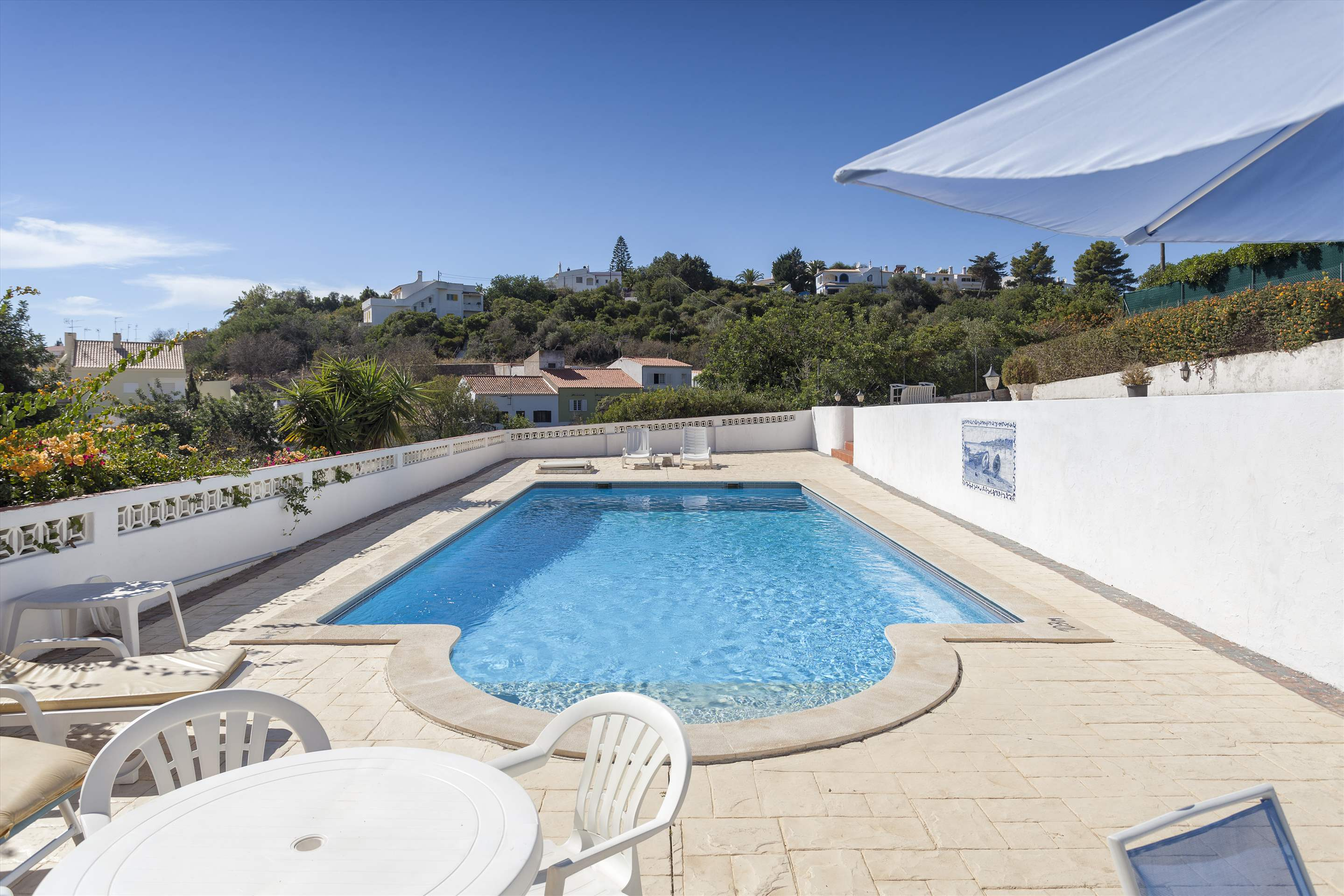 Villa Alice, 3 bedroom villa in Carvoeiro Area, Algarve Photo #3