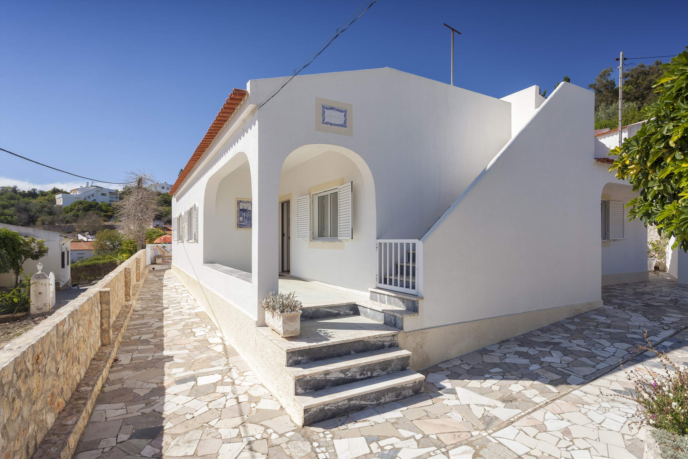 Villa Alice, 3 bedroom villa in Carvoeiro Area, Algarve Photo #4