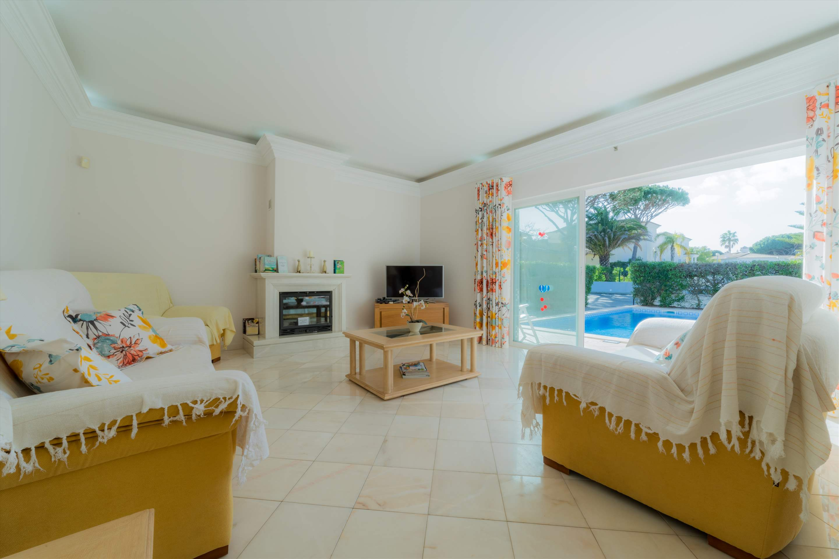 Villa 29, 4 bedroom villa in Vale do Lobo, Algarve Photo #5