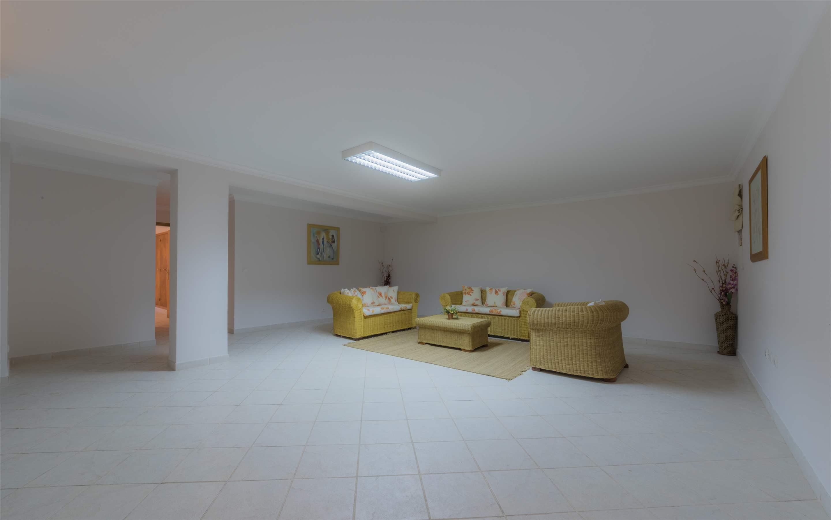 Villa 29, 4 bedroom villa in Vale do Lobo, Algarve Photo #7