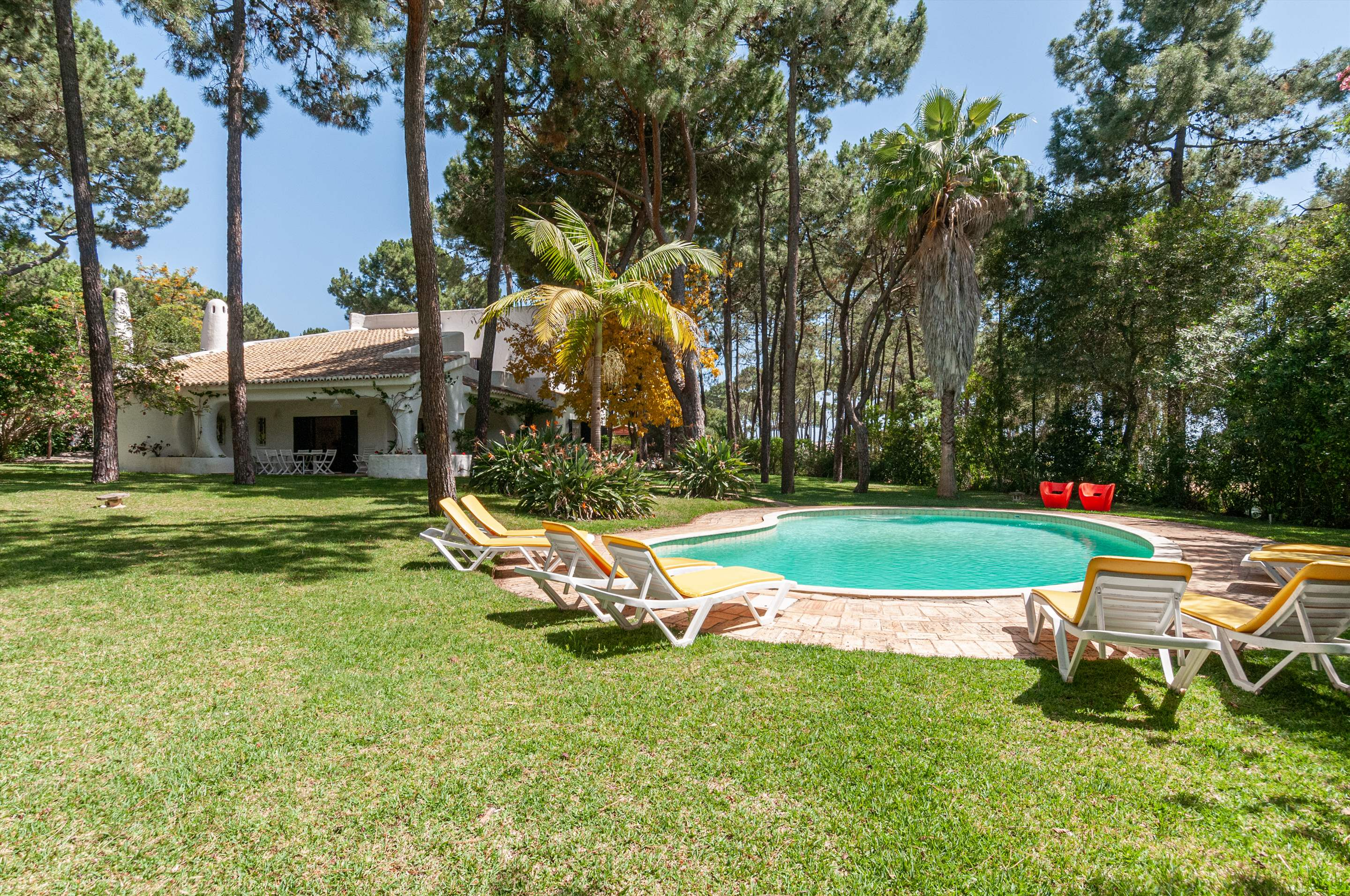 Casa do Pinhal, 4 bedroom villa in Vilamoura Area, Algarve Photo #2