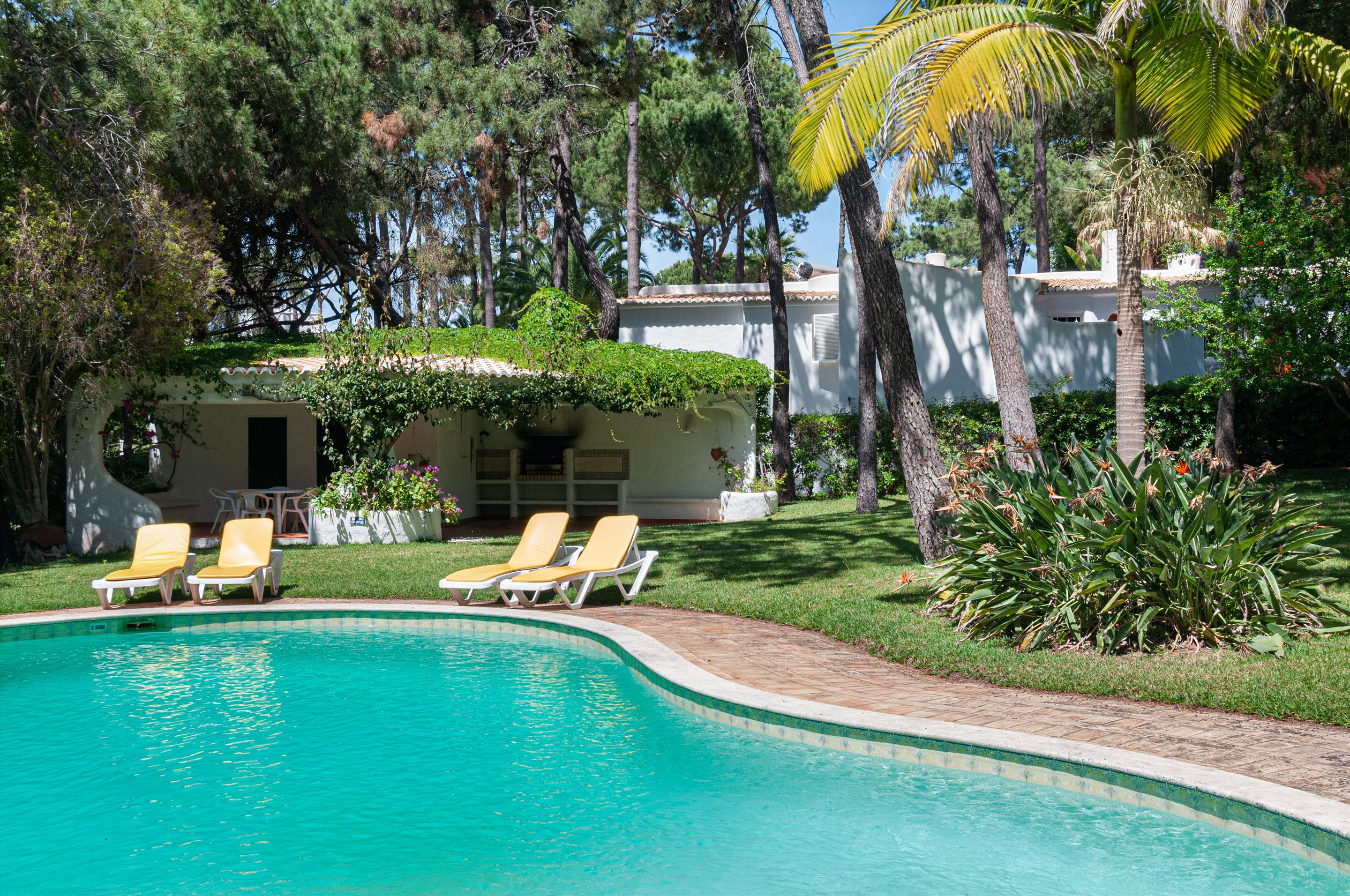 Casa do Pinhal, 4 bedroom villa in Vilamoura Area, Algarve Photo #3