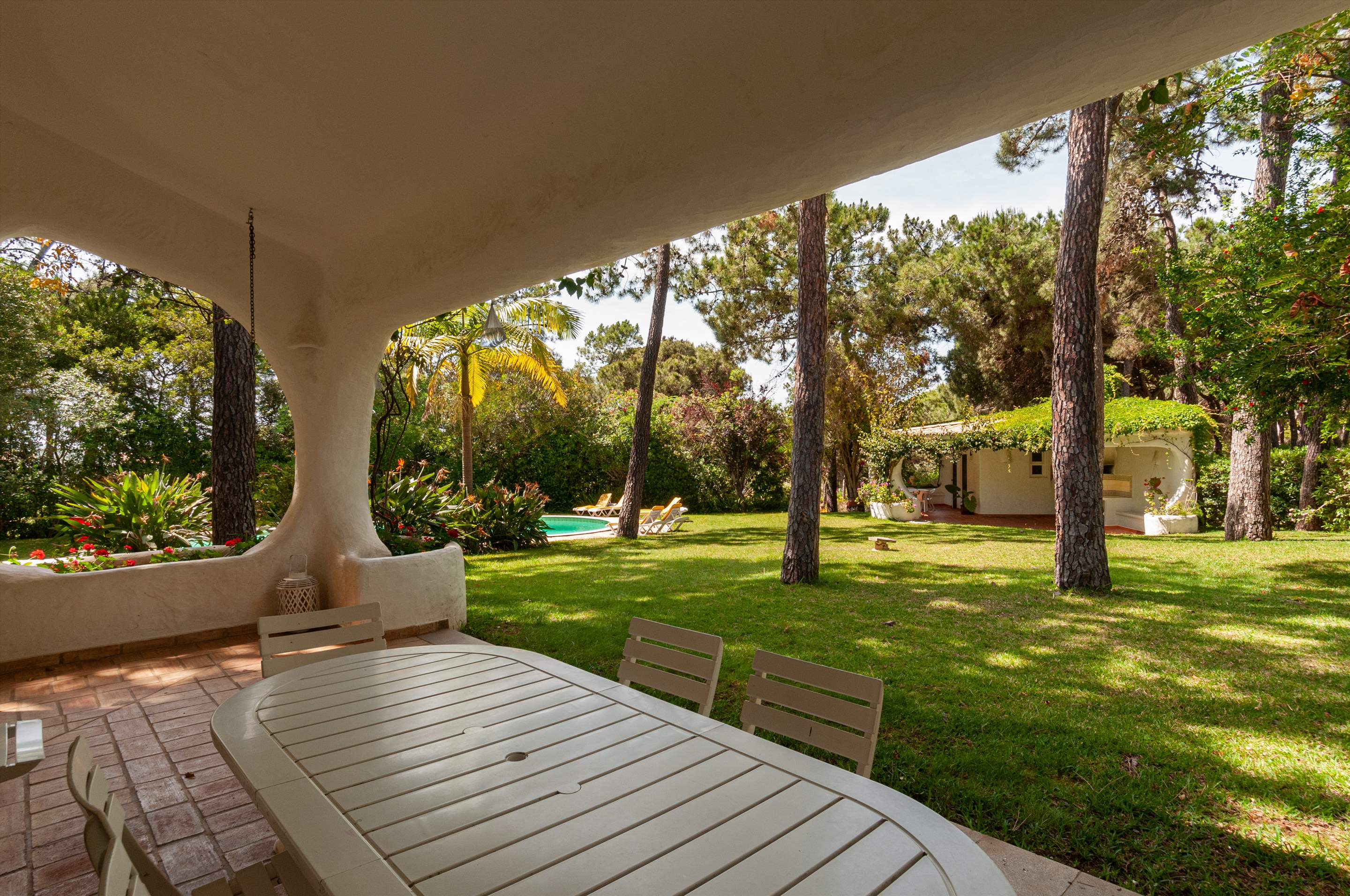Casa do Pinhal, 4 bedroom villa in Vilamoura Area, Algarve Photo #5