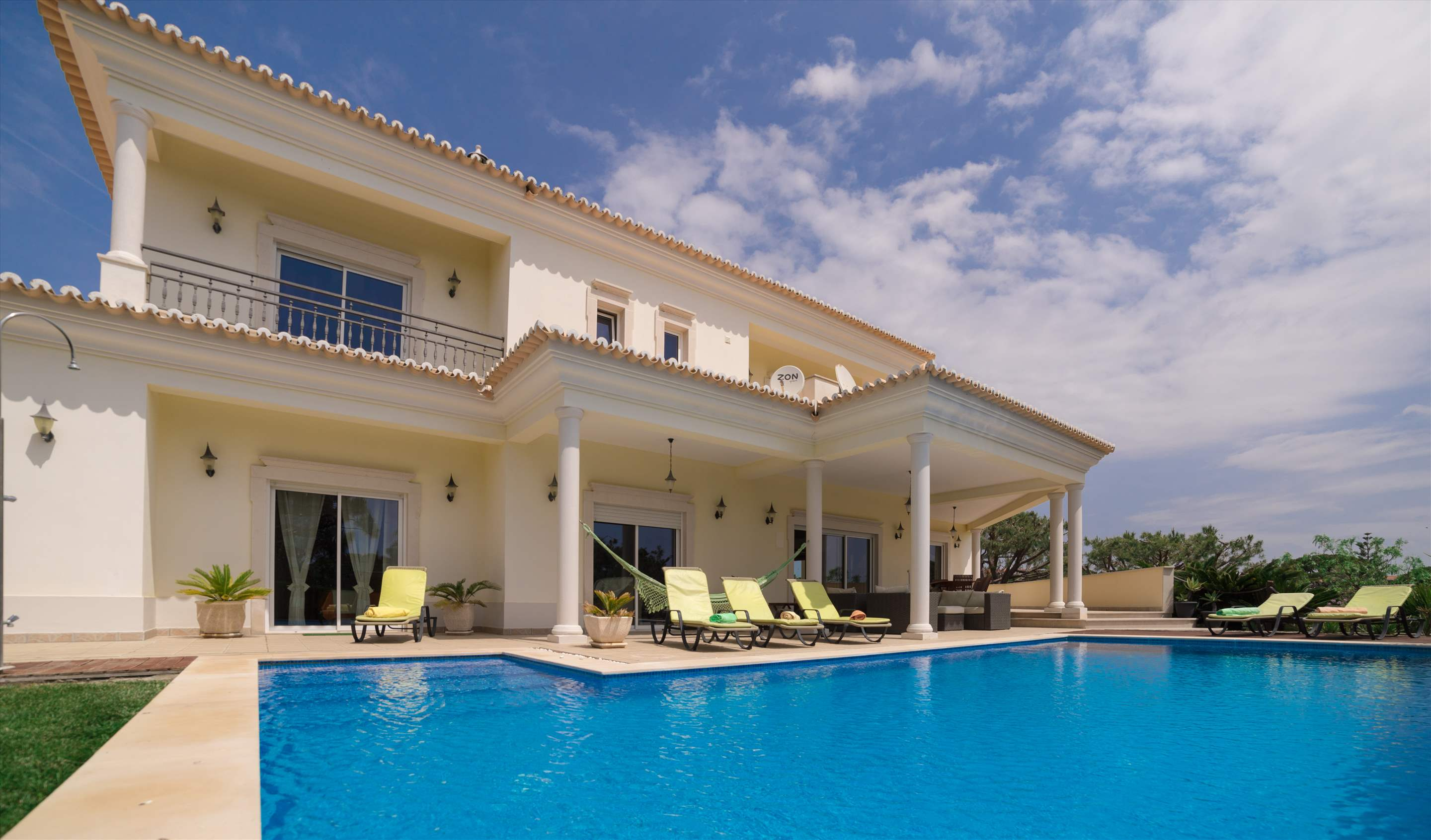 Villa Brilha Sol, 5 bedroom villa in Vilamoura Area, Algarve Photo #1