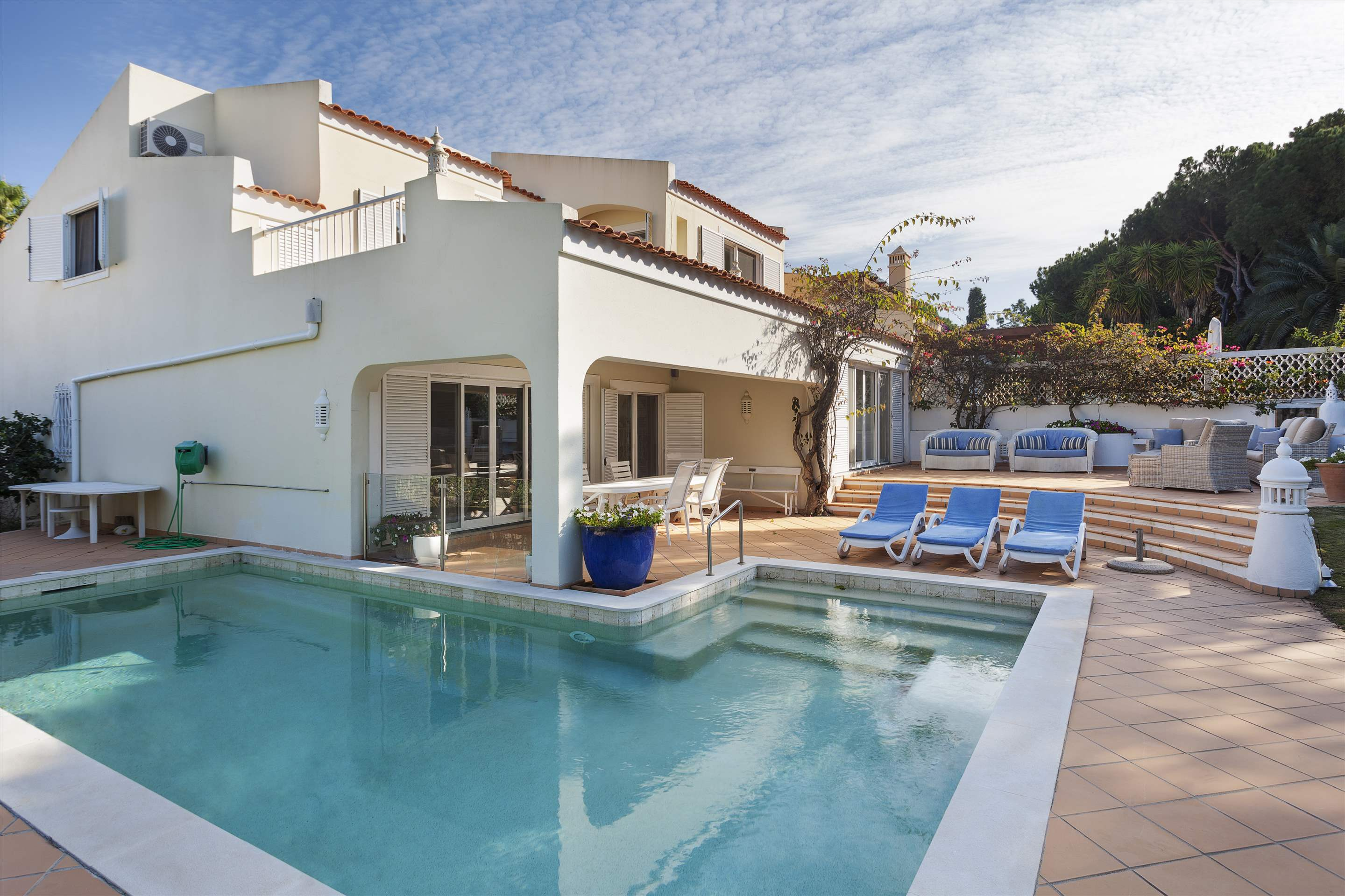 Villa Cascata, 4 Bedroom, 4 bedroom villa in Vale do Lobo, Algarve Photo #2