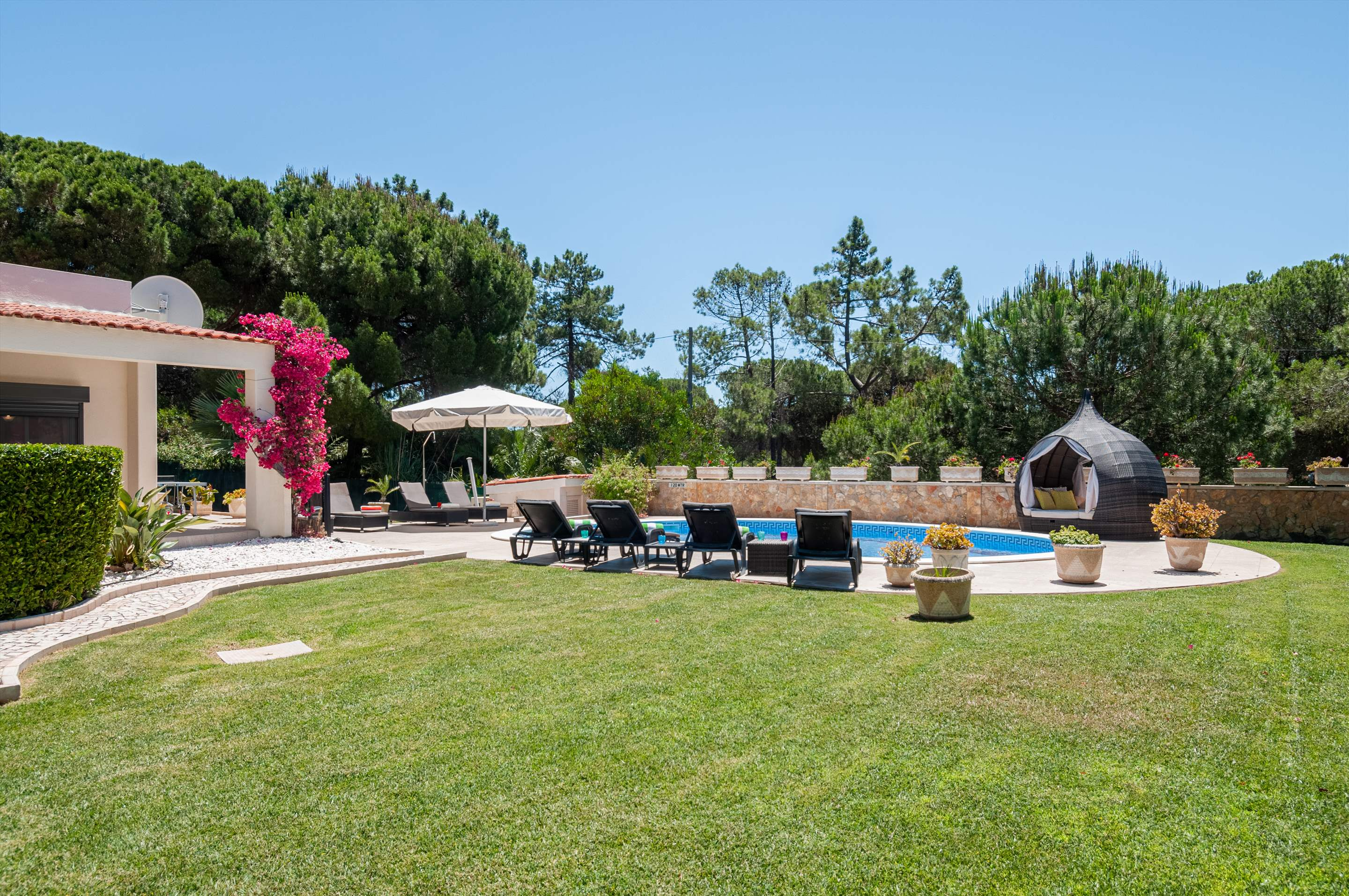 Villa Quinta Francisco, 4 bedroom villa in Vale do Lobo, Algarve Photo #13