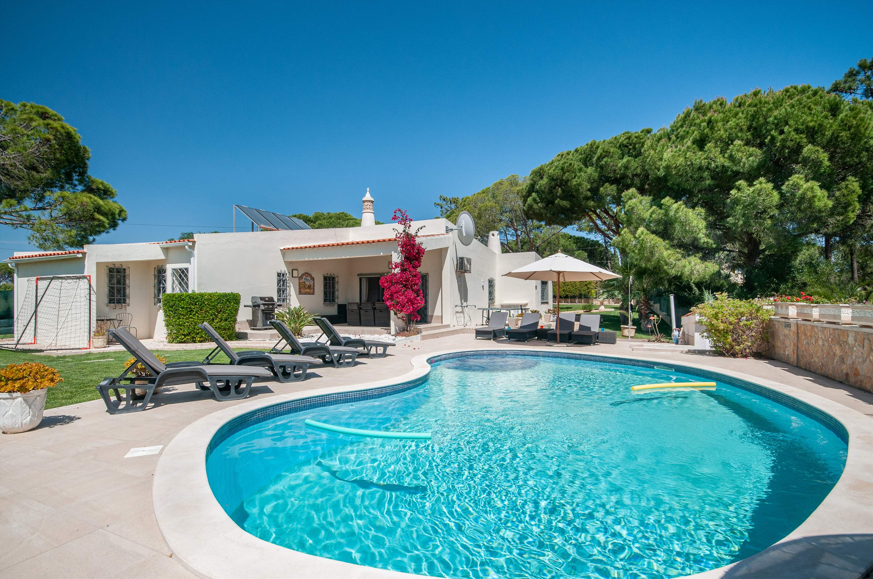 Villa Quinta Francisco, 4 bedroom villa in Vale do Lobo, Algarve Photo #21