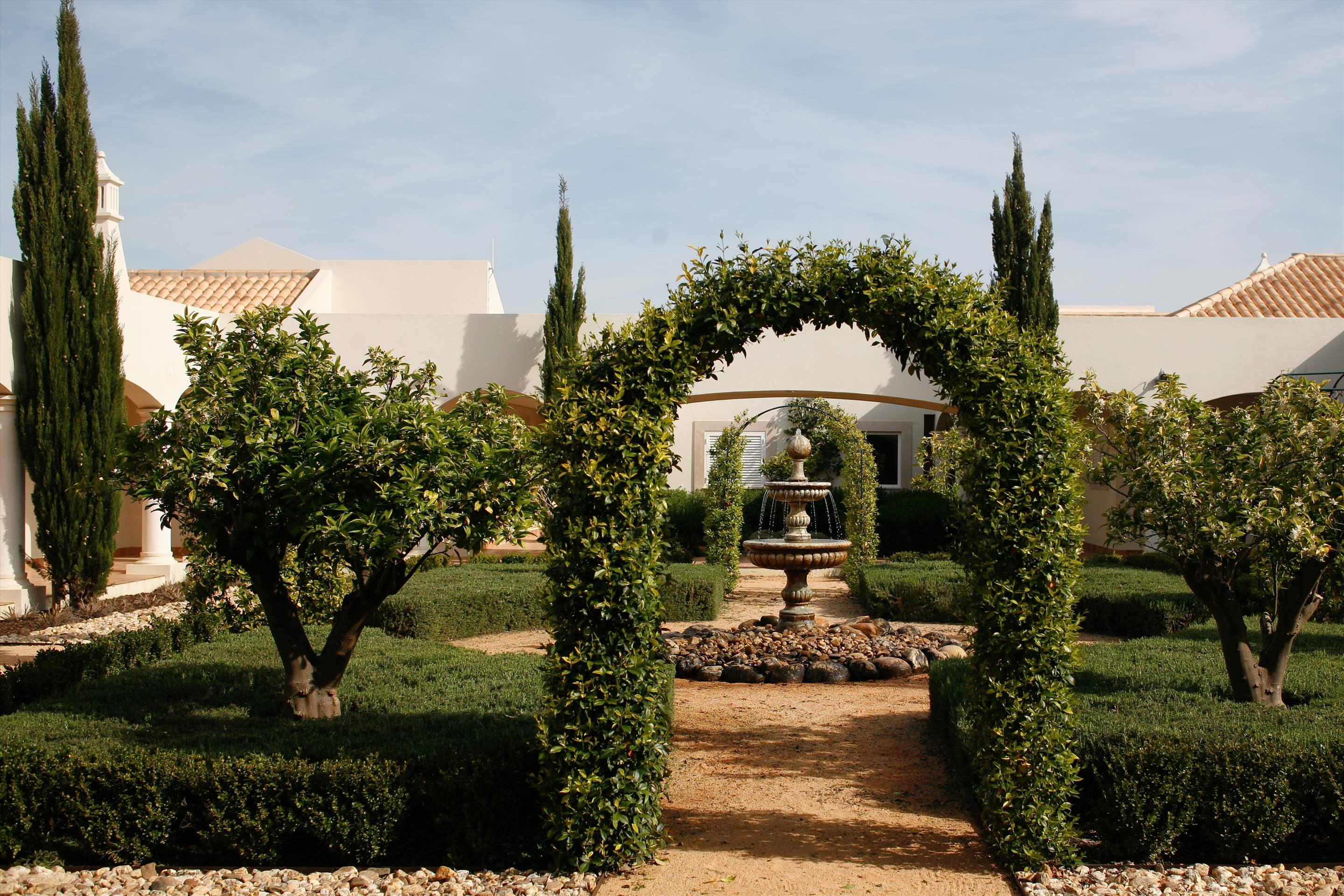 Vale dOliveiras Hotel Double/ Twin Room BB Basis, 1 bedroom hotel in Vale d'Oliveiras Resort & Spa, Algarve Photo #33