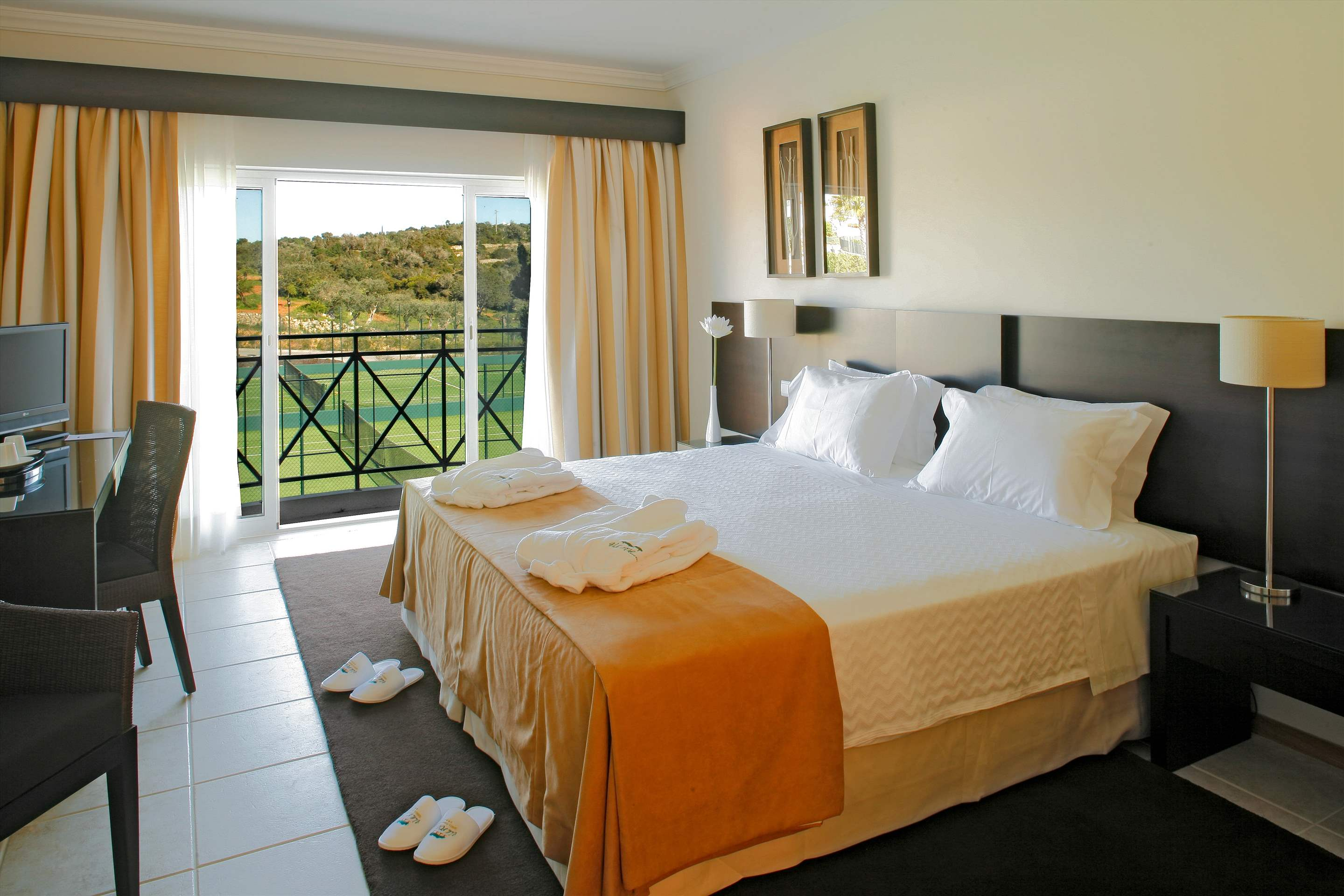 Vale dOliveiras Hotel Double/ Twin Room BB Basis, 1 bedroom hotel in Vale d'Oliveiras Resort & Spa, Algarve Photo #5