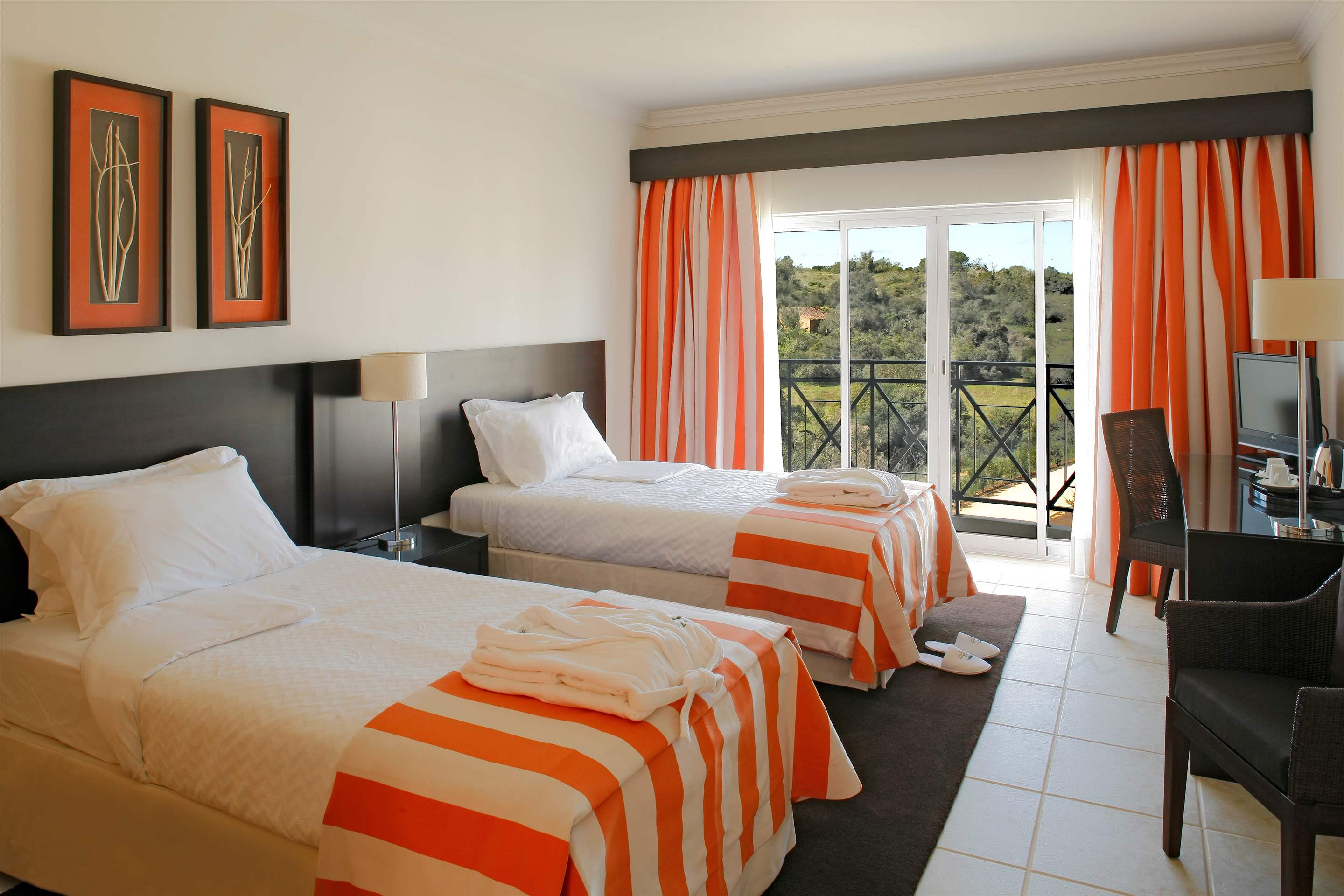 Vale dOliveiras Hotel Double/ Twin Room BB Basis, 1 bedroom hotel in Vale d'Oliveiras Resort & Spa, Algarve Photo #6