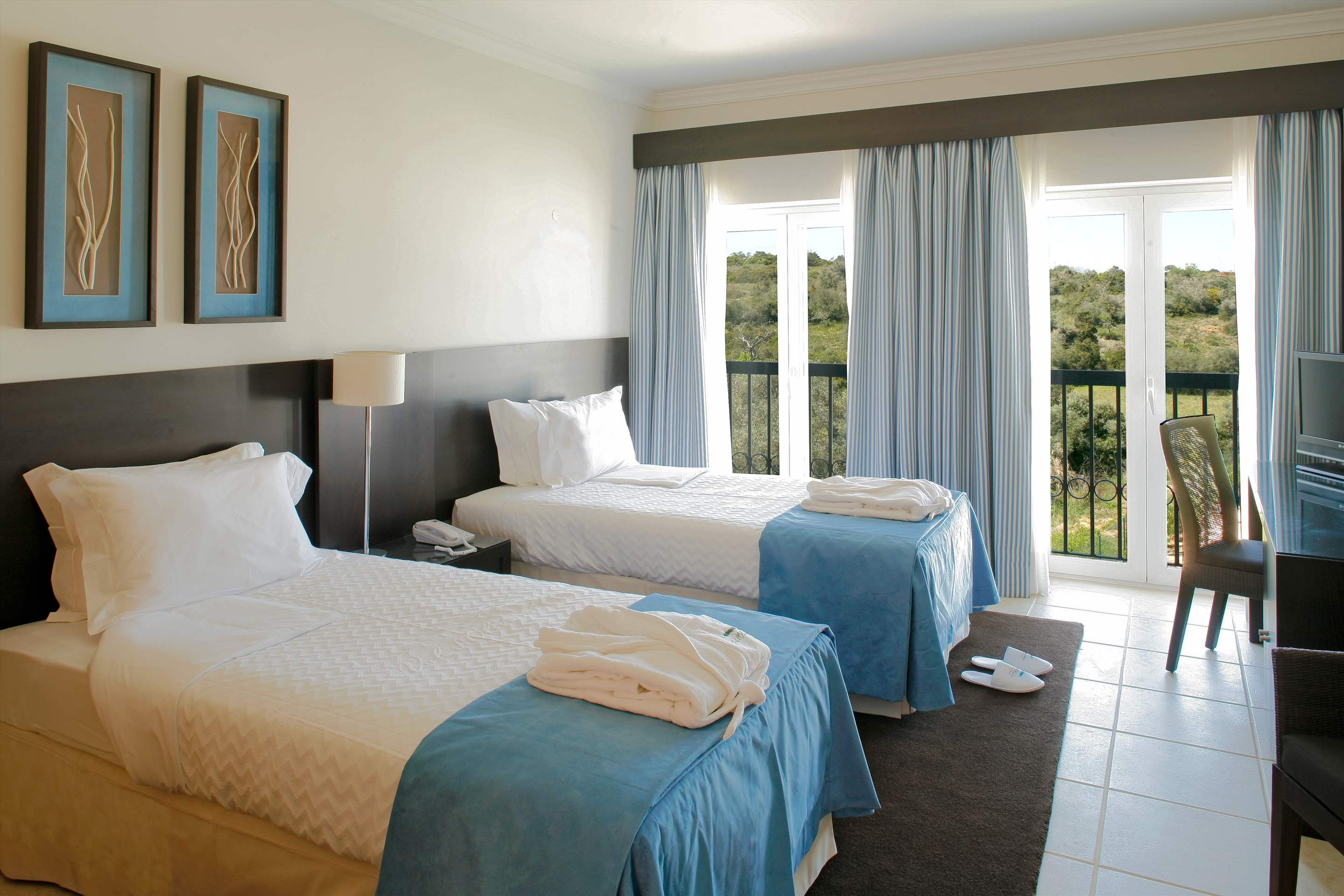 Vale dOliveiras Hotel Double/ Twin Room BB Basis, 1 bedroom hotel in Vale d'Oliveiras Resort & Spa, Algarve Photo #7