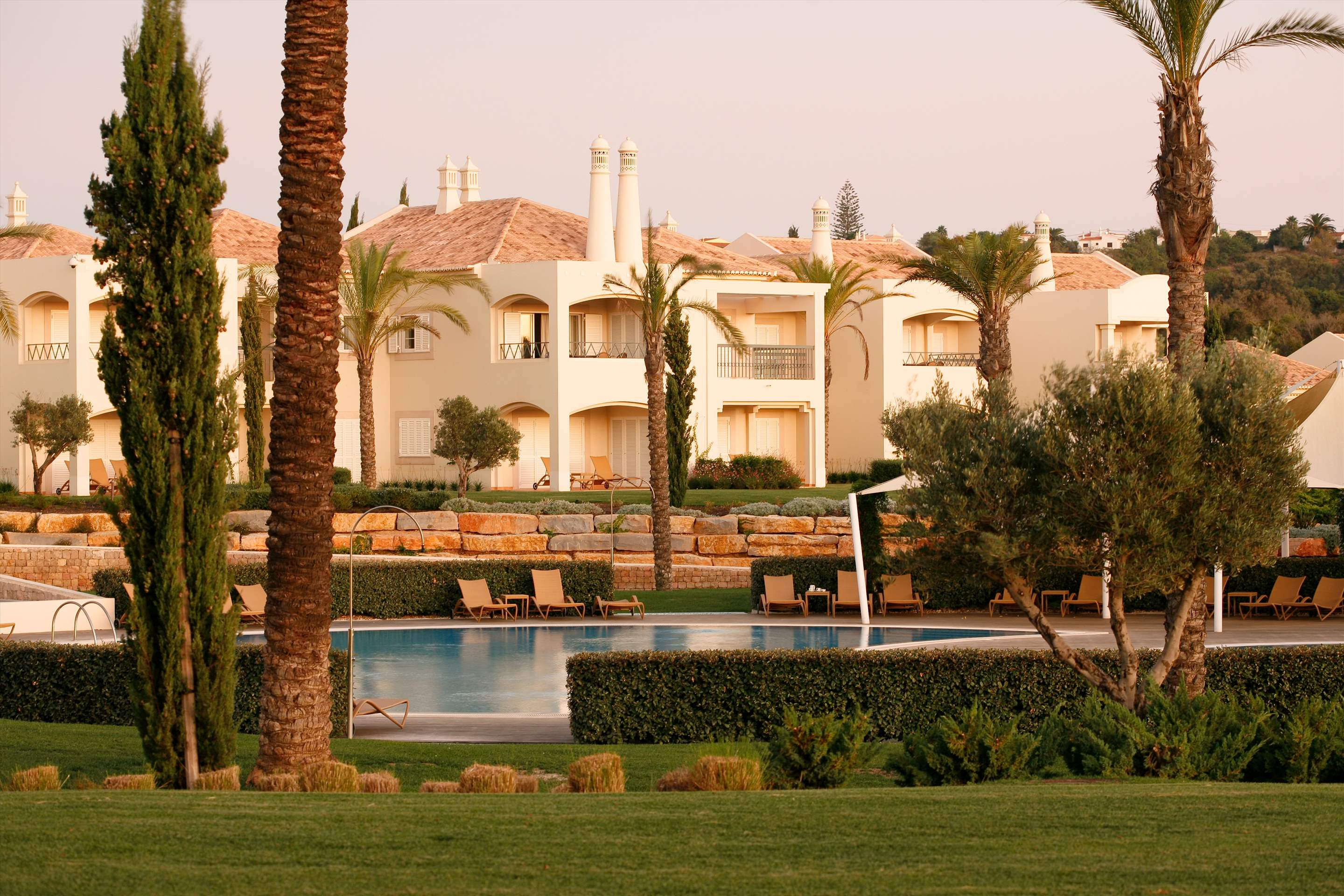 Vale d'Oliveiras 2 Bed Suite Pool View , Bed & Breakfast, 2 bedroom apartment in Vale d'Oliveiras Resort & Spa, Algarve Photo #2