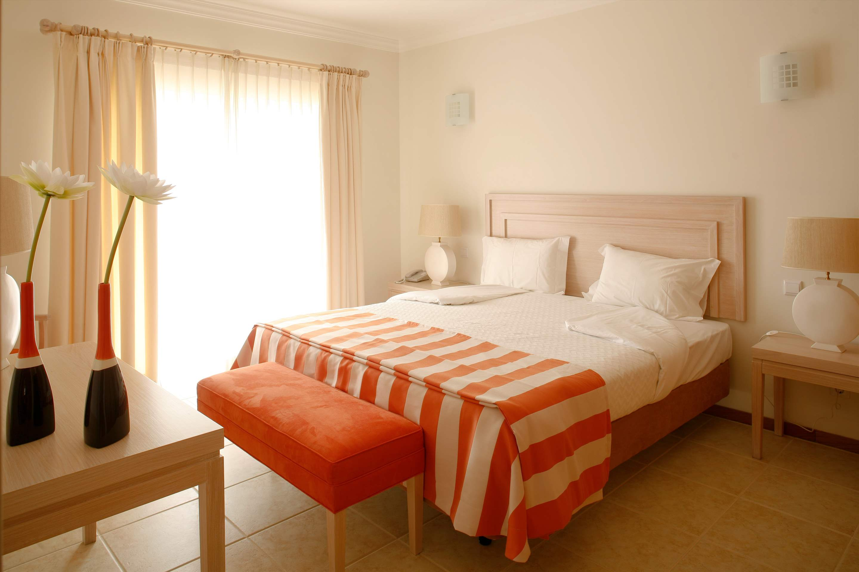 Vale d'Oliveiras 2 Bed Suite Pool View , Bed & Breakfast, 2 bedroom apartment in Vale d'Oliveiras Resort & Spa, Algarve Photo #6