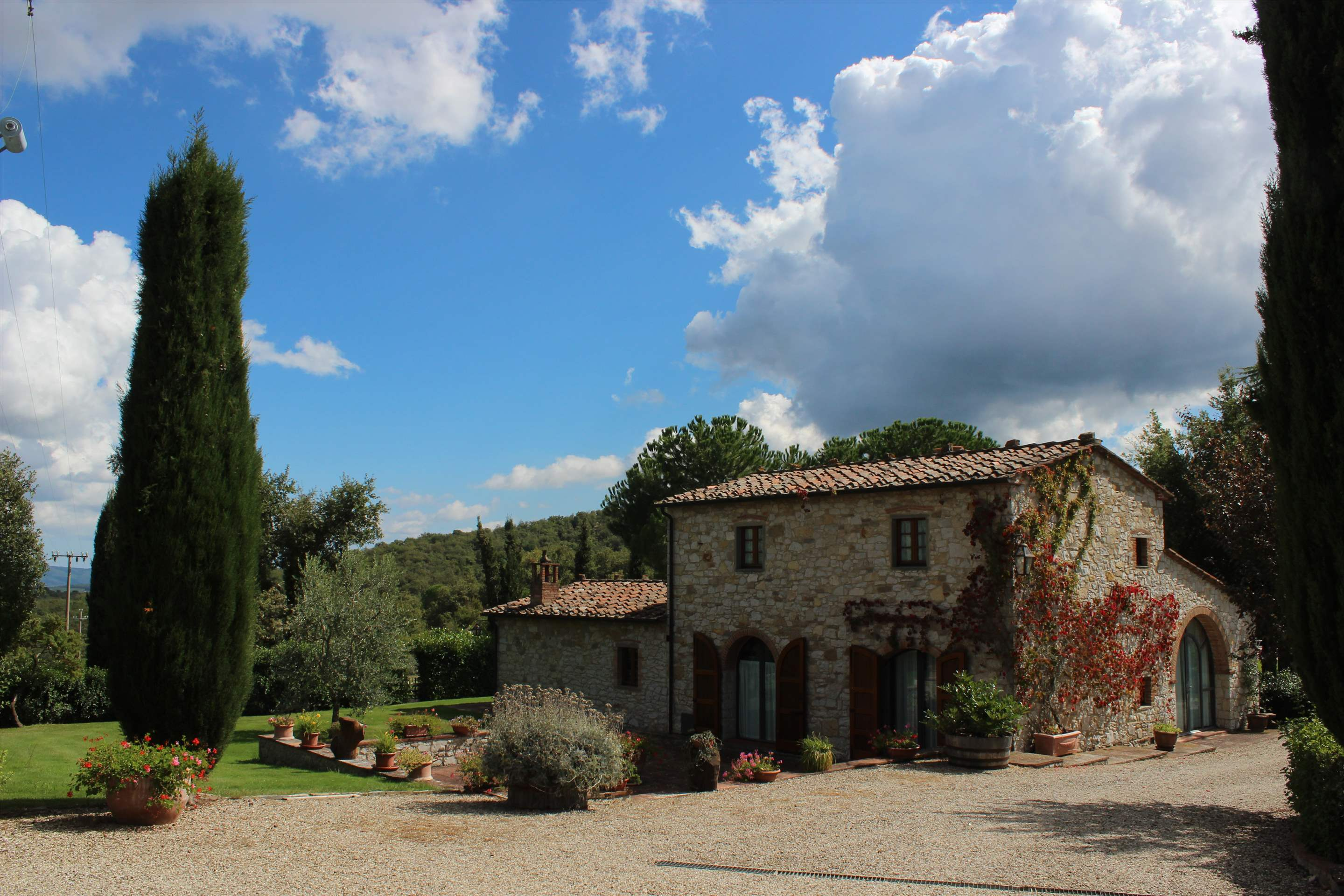 Villa Floriana, 4 bedroom villa in Chianti & Countryside, Tuscany Photo #11