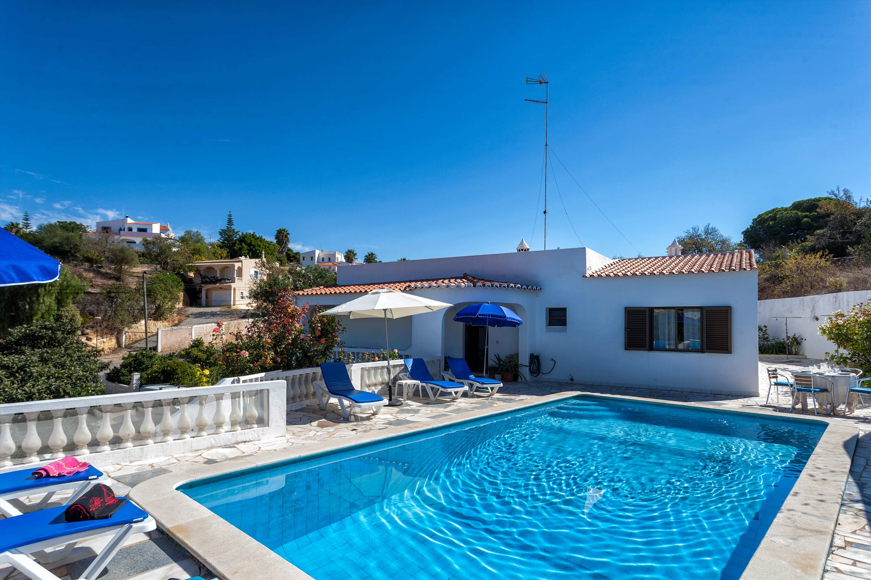 Villa Do Cerro, 3 bedroom villa in Carvoeiro Area, Algarve