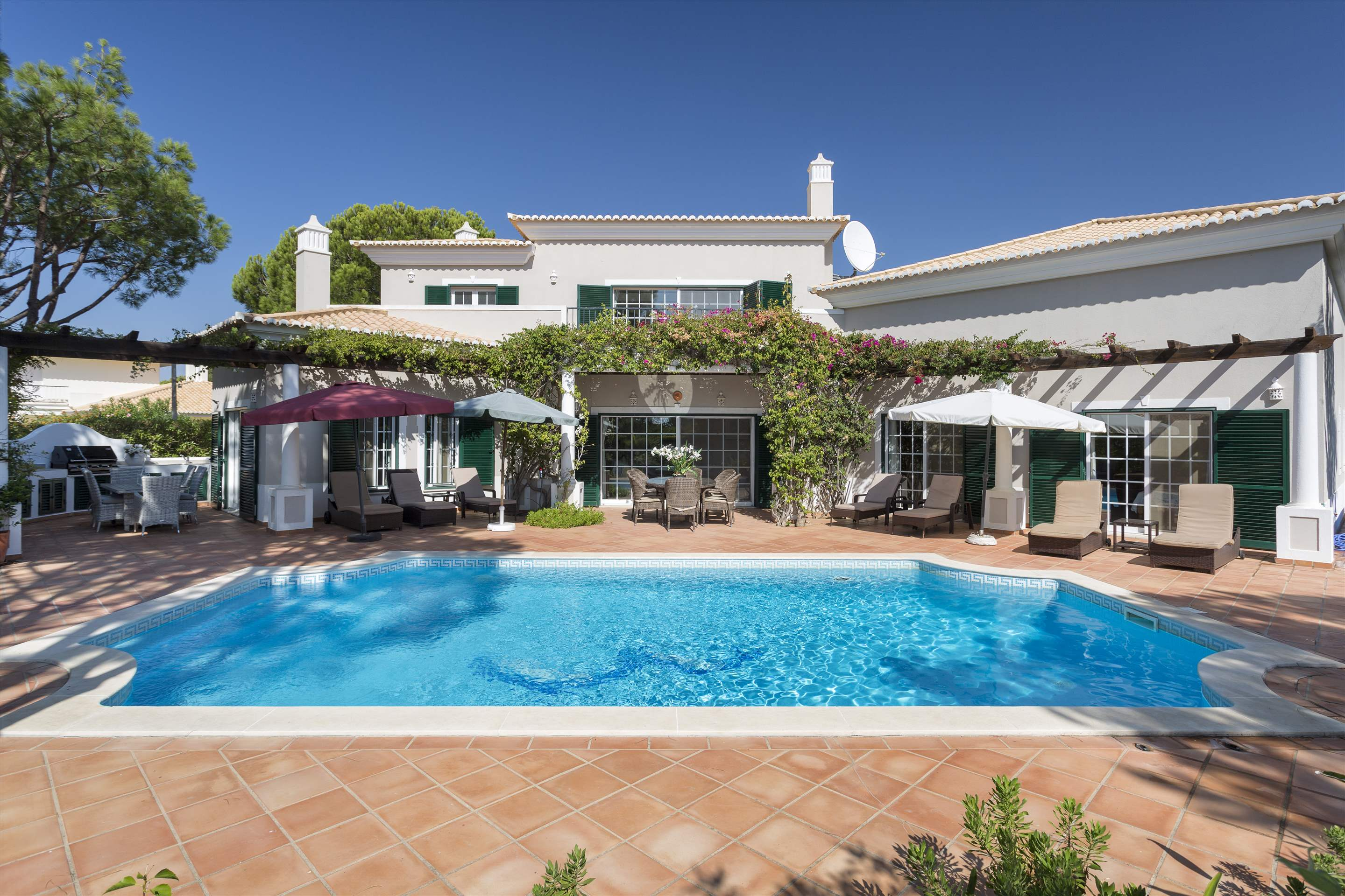 Casa dos Golfinhos, 4 bedroom villa in Vale do Lobo, Algarve