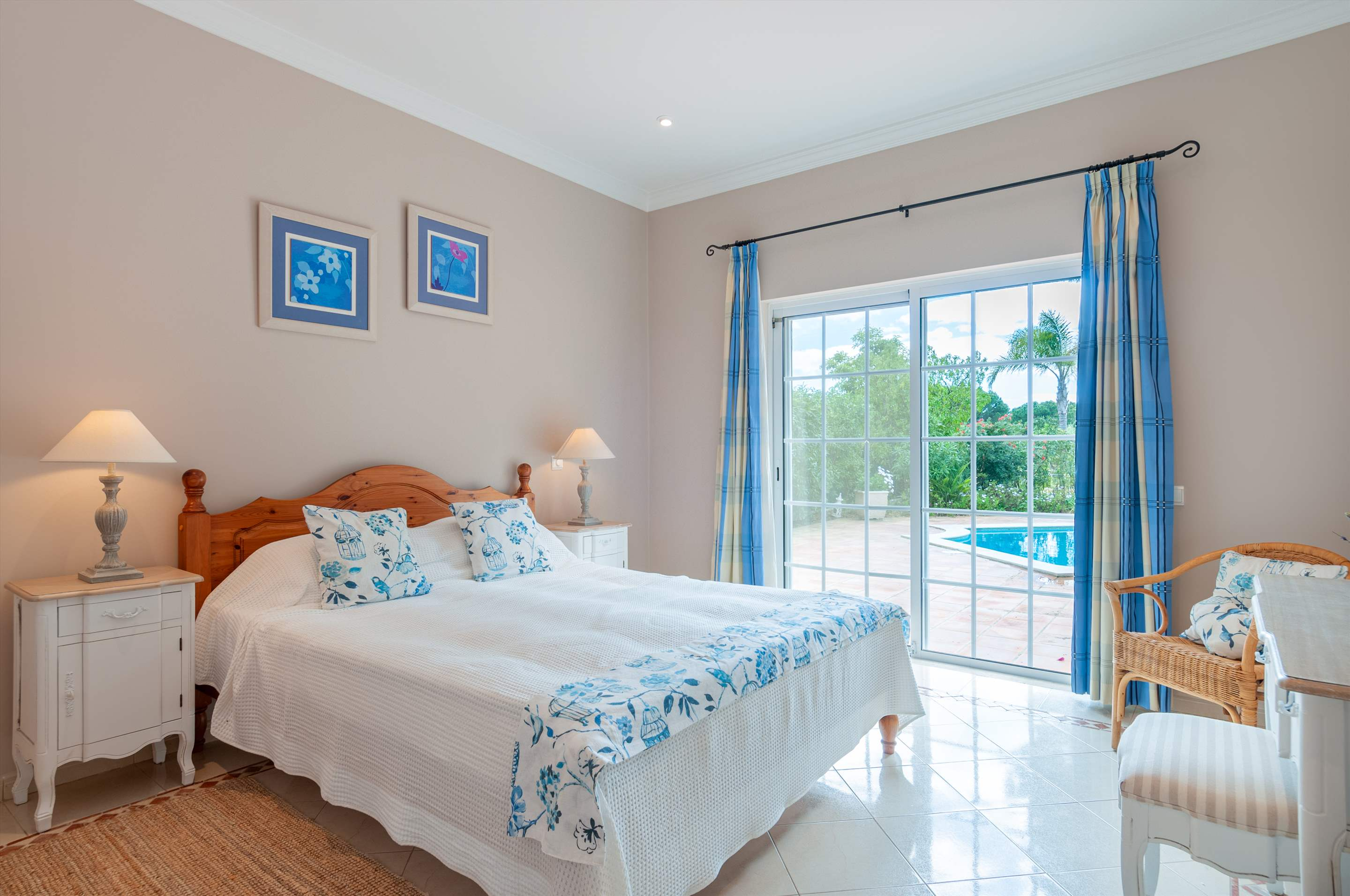 Casa dos Golfinhos, 4 bedroom villa in Vale do Lobo, Algarve Photo #17