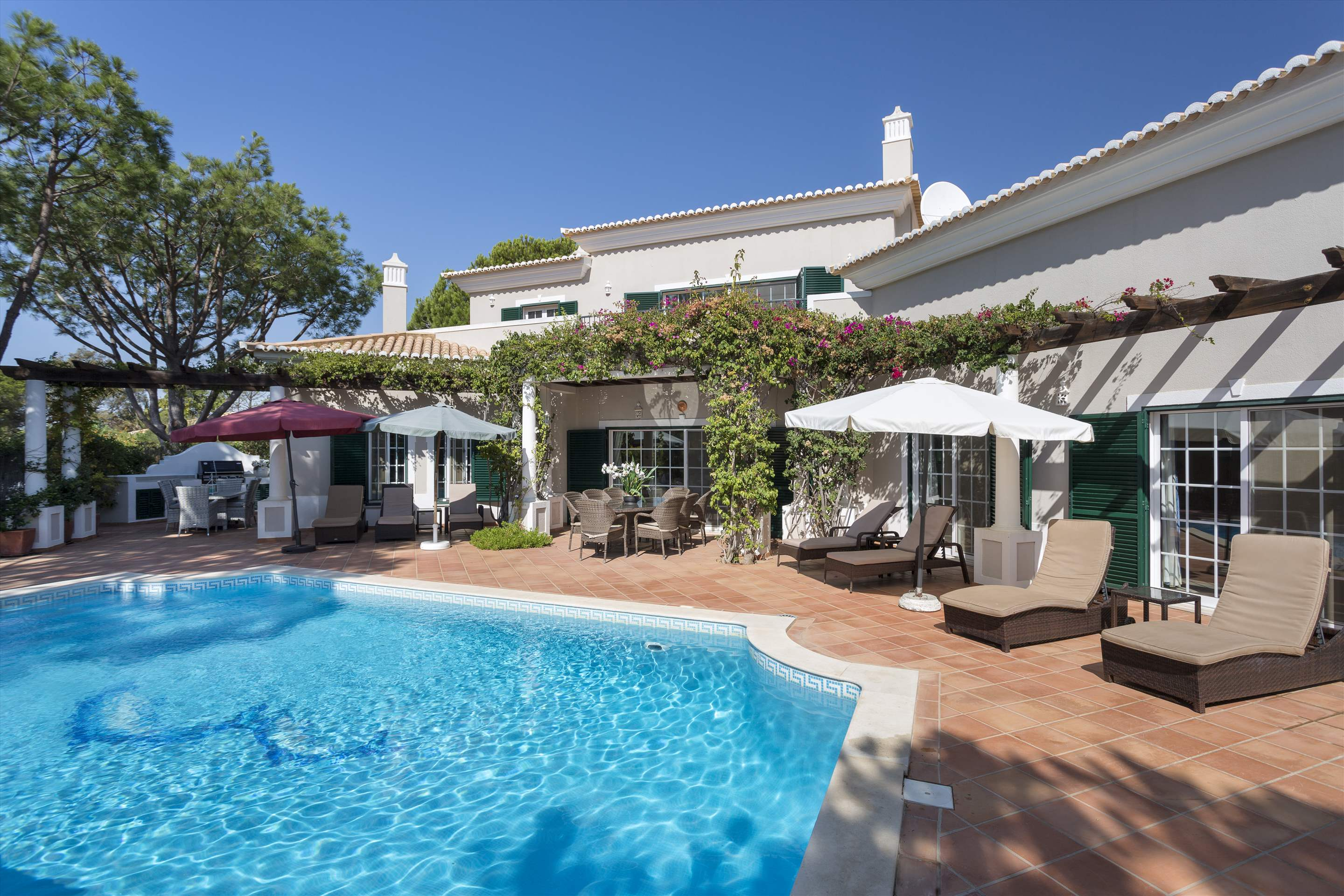 Casa dos Golfinhos, 4 bedroom villa in Vale do Lobo, Algarve Photo #8