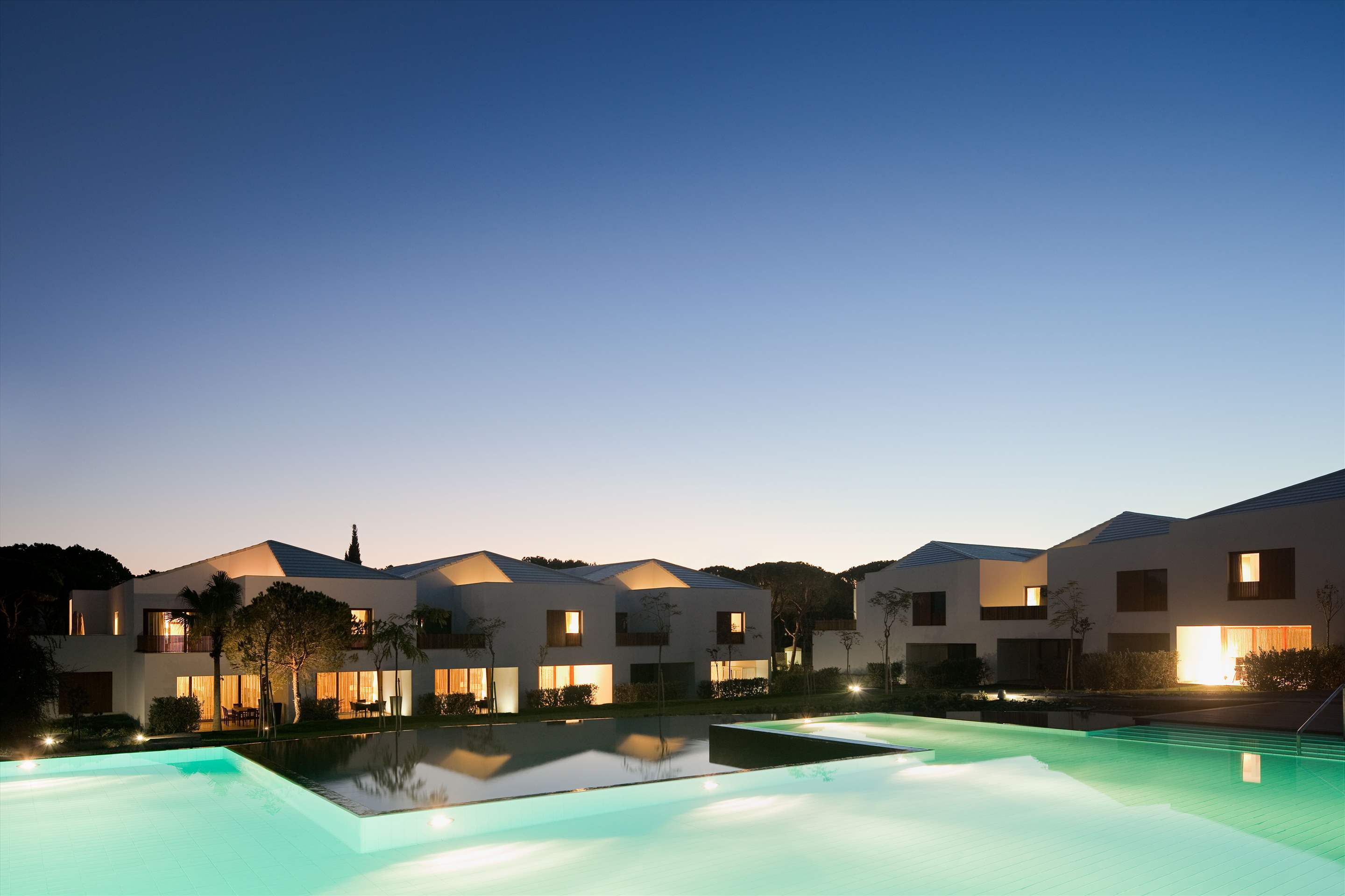 Pine Cliffs Terraces, 4 Bedroom, room only basis, 4 bedroom villa in Pine Cliffs Resort, Algarve