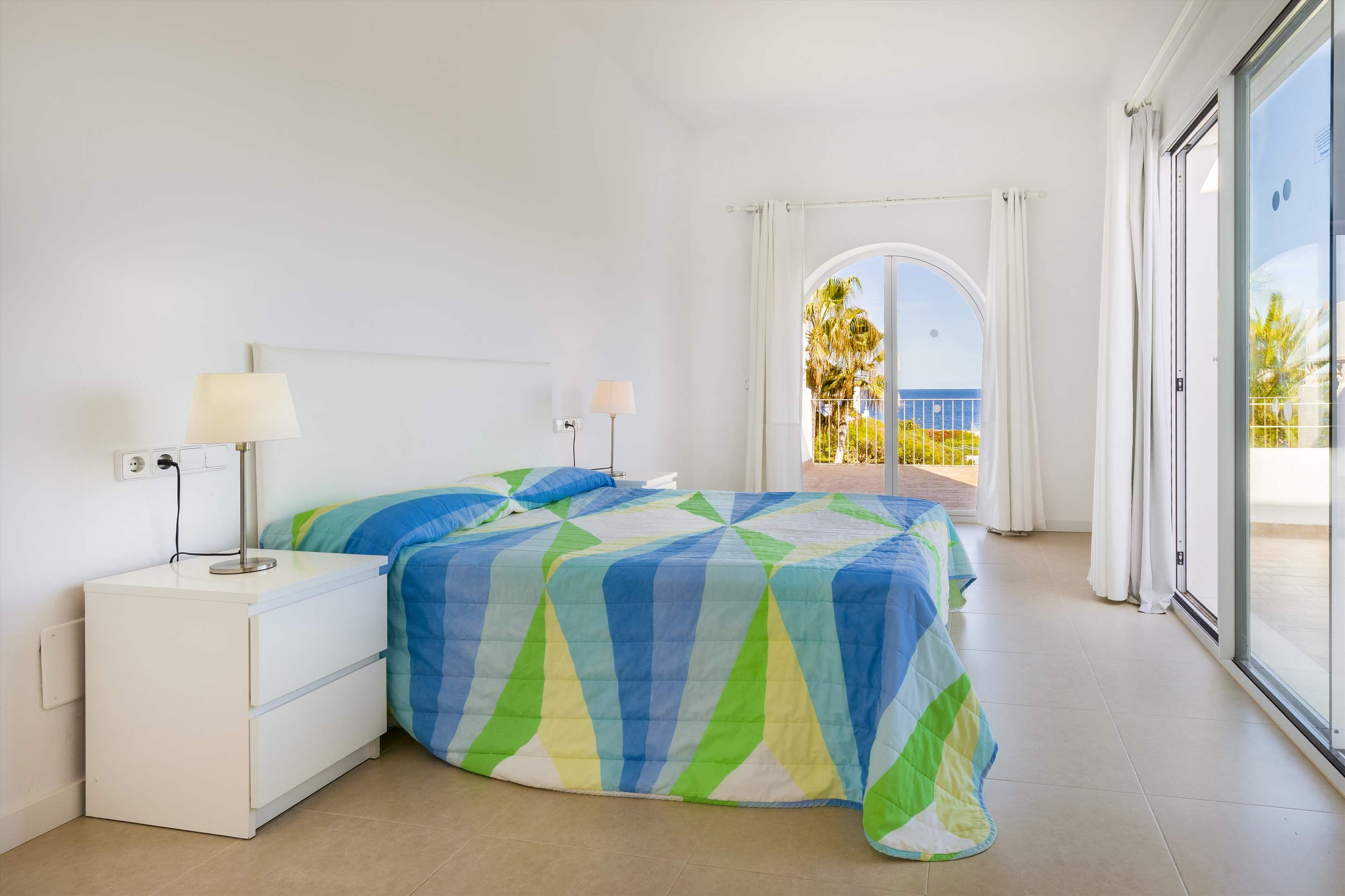 Mar Gran, 4 bedroom villa in Cala d'Or , Majorca Photo #15