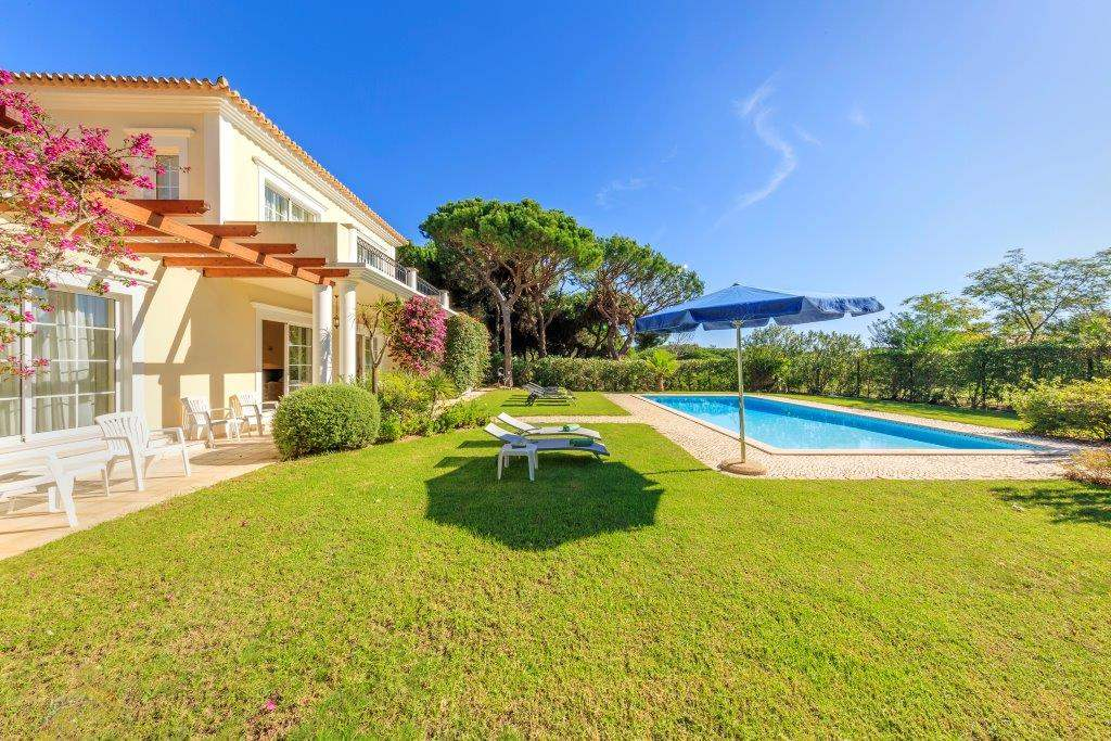 Villa Lorena, 3 bedroom villa in Vale do Lobo, Algarve Photo #11