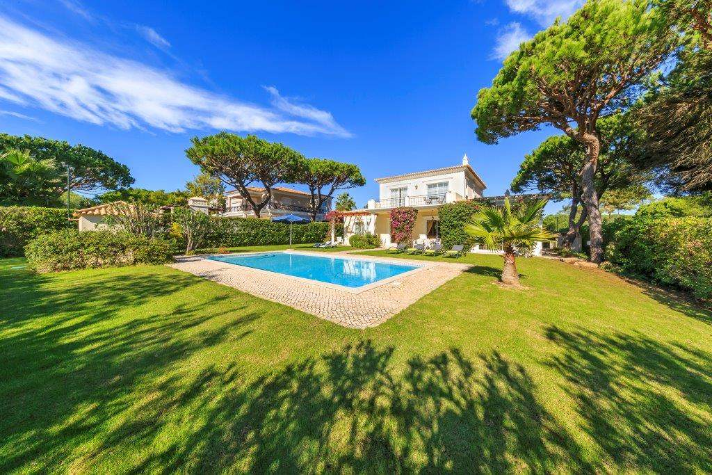 Villa Lorena, 3 bedroom villa in Vale do Lobo, Algarve Photo #12