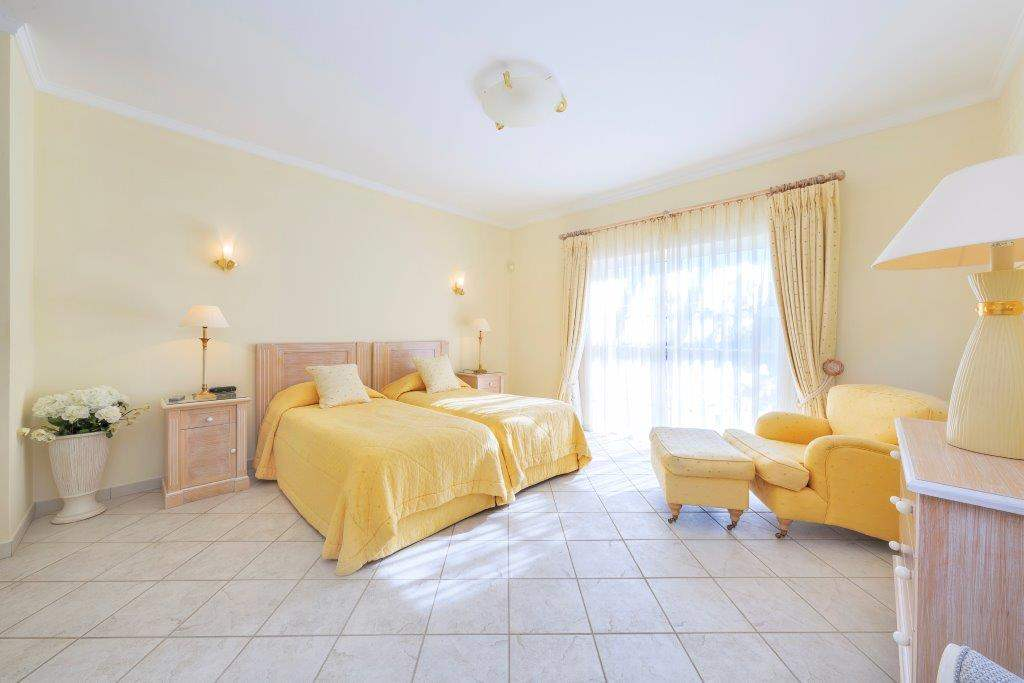 Villa Lorena, 3 bedroom villa in Vale do Lobo, Algarve Photo #17