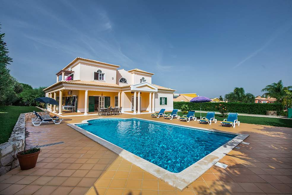 Villa Luis, 7-8 Persons Rate, 4 bedroom villa in Gale, Vale da Parra and Guia, Algarve Photo #1