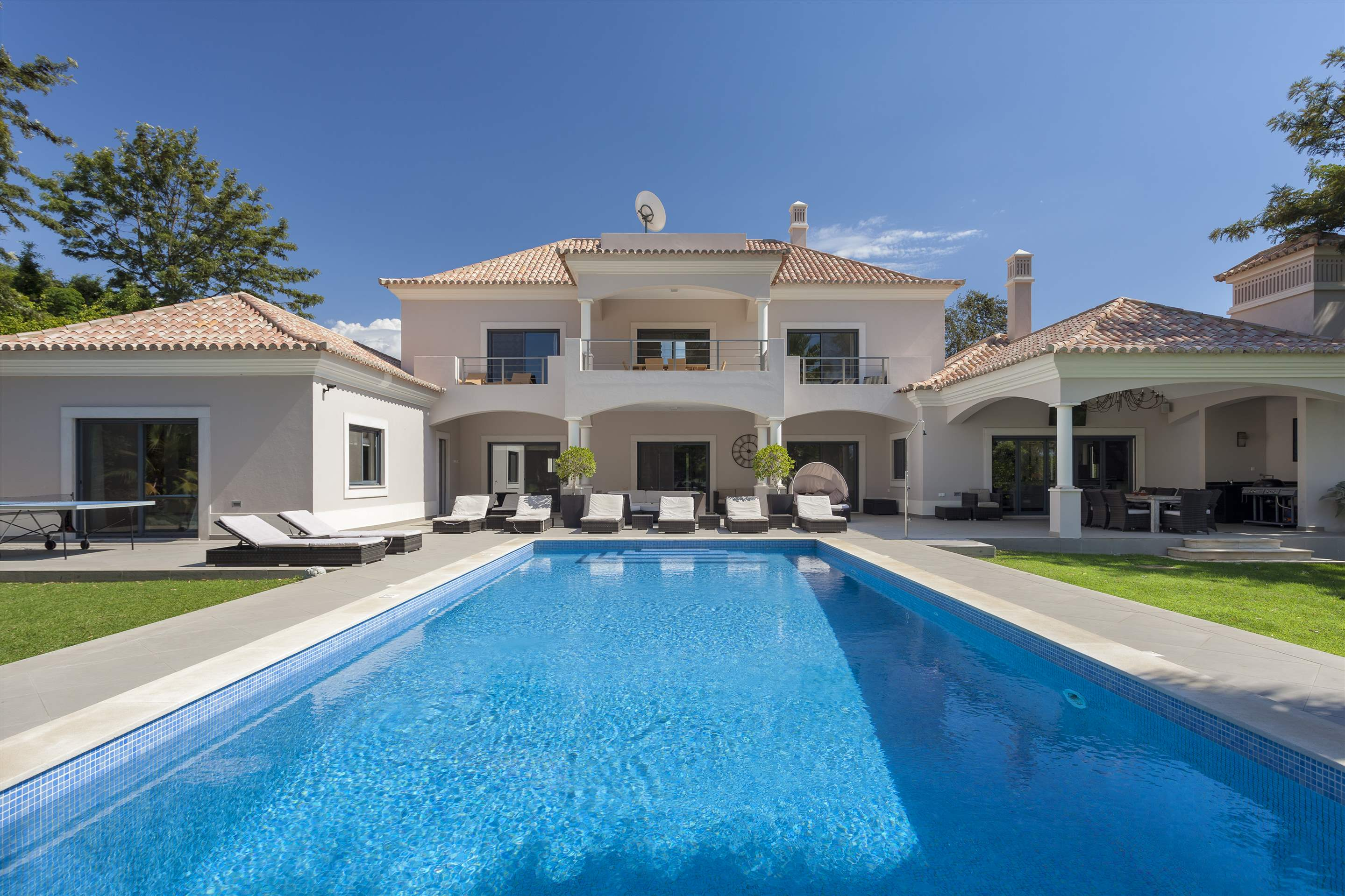 Villa Mar Azul, 5 bedroom villa in Vale do Lobo, Algarve Photo #1