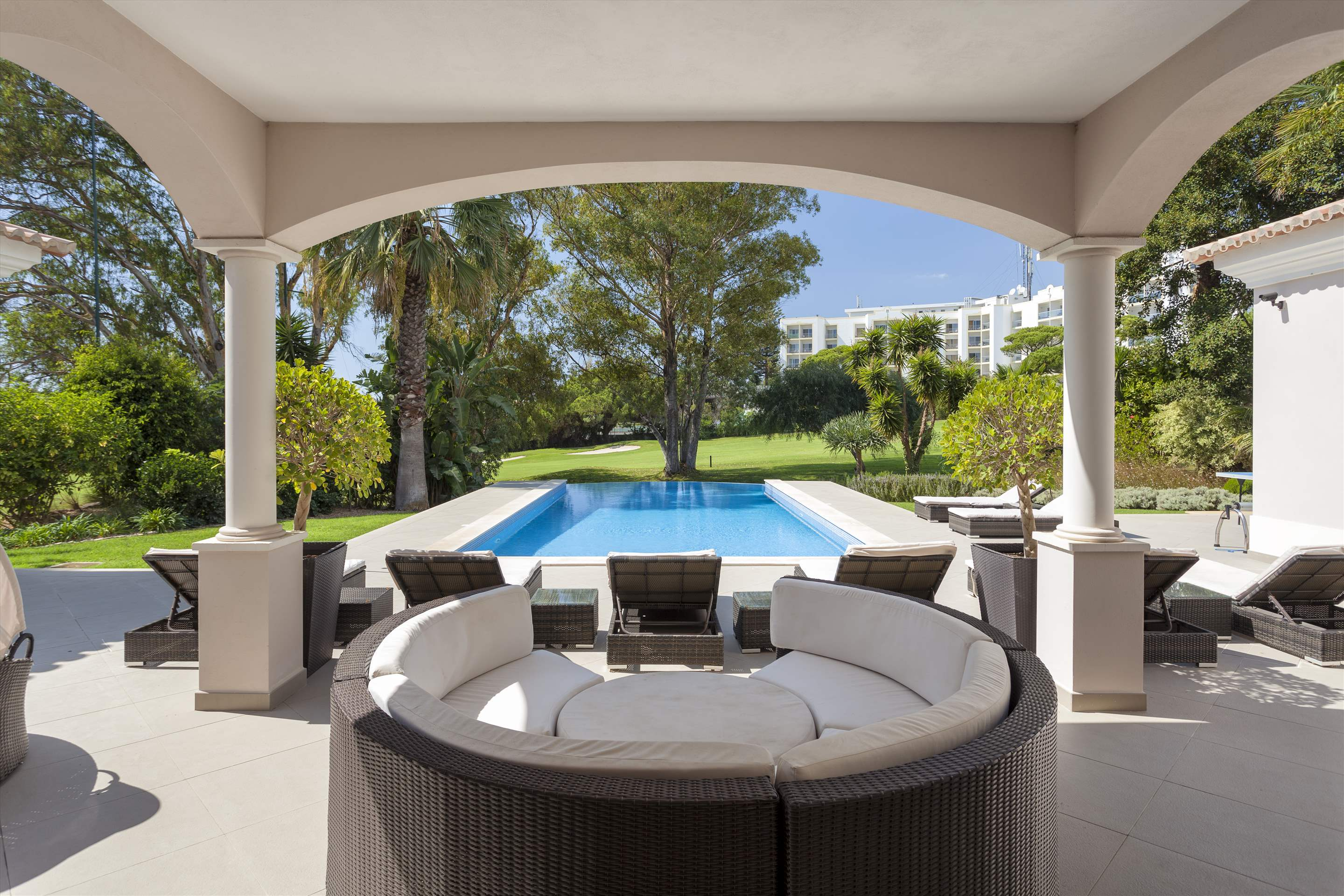 Villa Mar Azul, 5 bedroom villa in Vale do Lobo, Algarve Photo #3