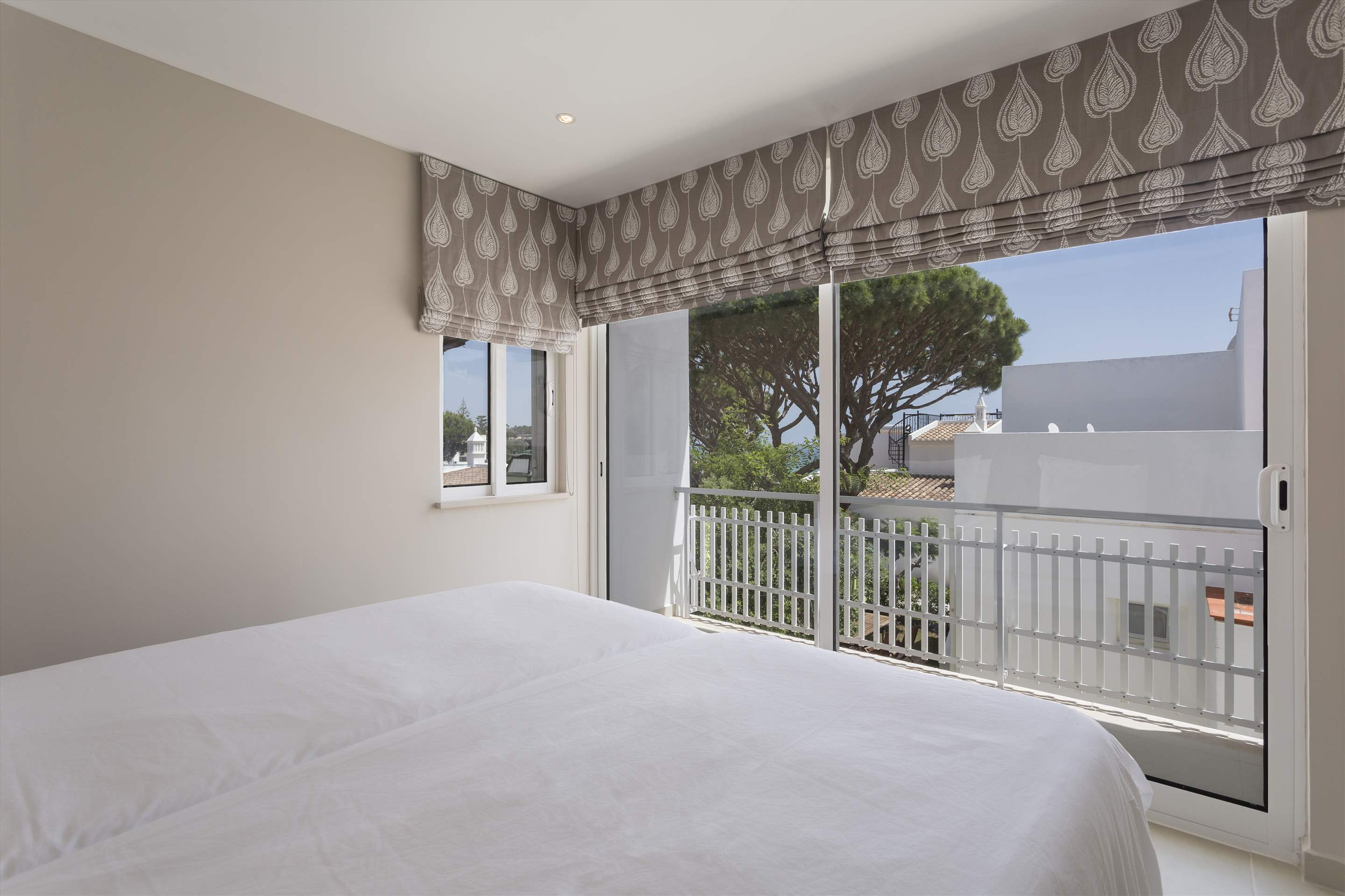 Villa Clemente, 2 bedroom villa in Vale do Lobo, Algarve Photo #12