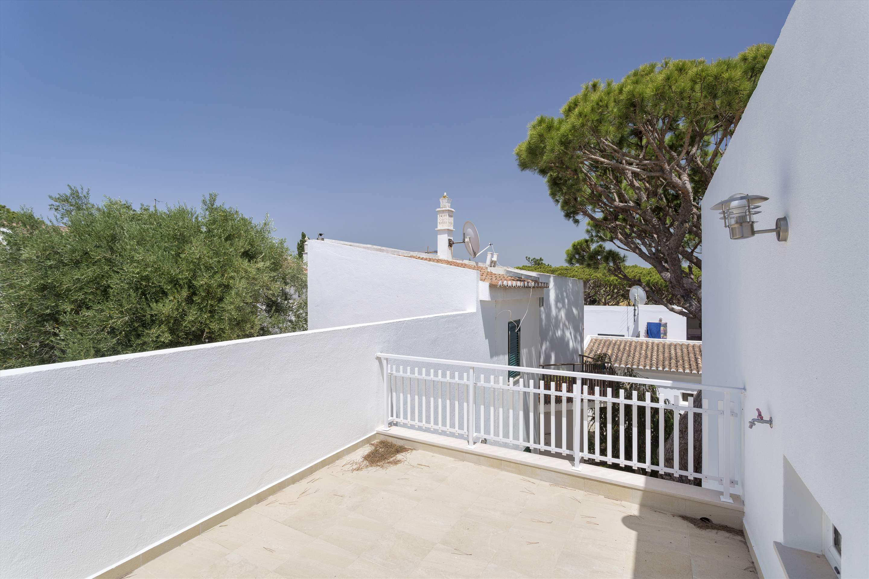 Villa Clemente, 2 bedroom villa in Vale do Lobo, Algarve Photo #14