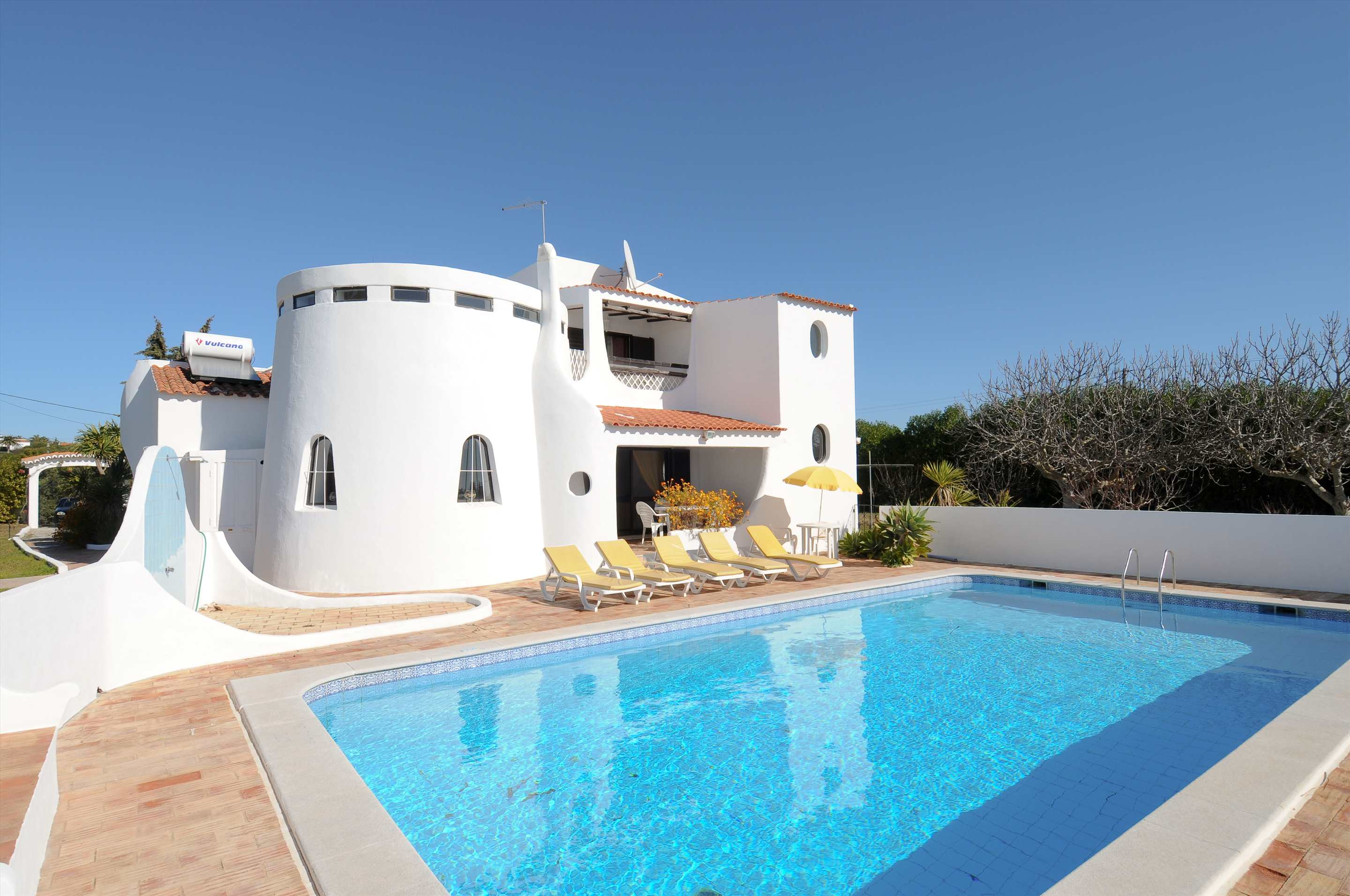 Casa Alexandra, 7-8 persons rate, 4 bedroom villa in Carvoeiro Area, Algarve Photo #14