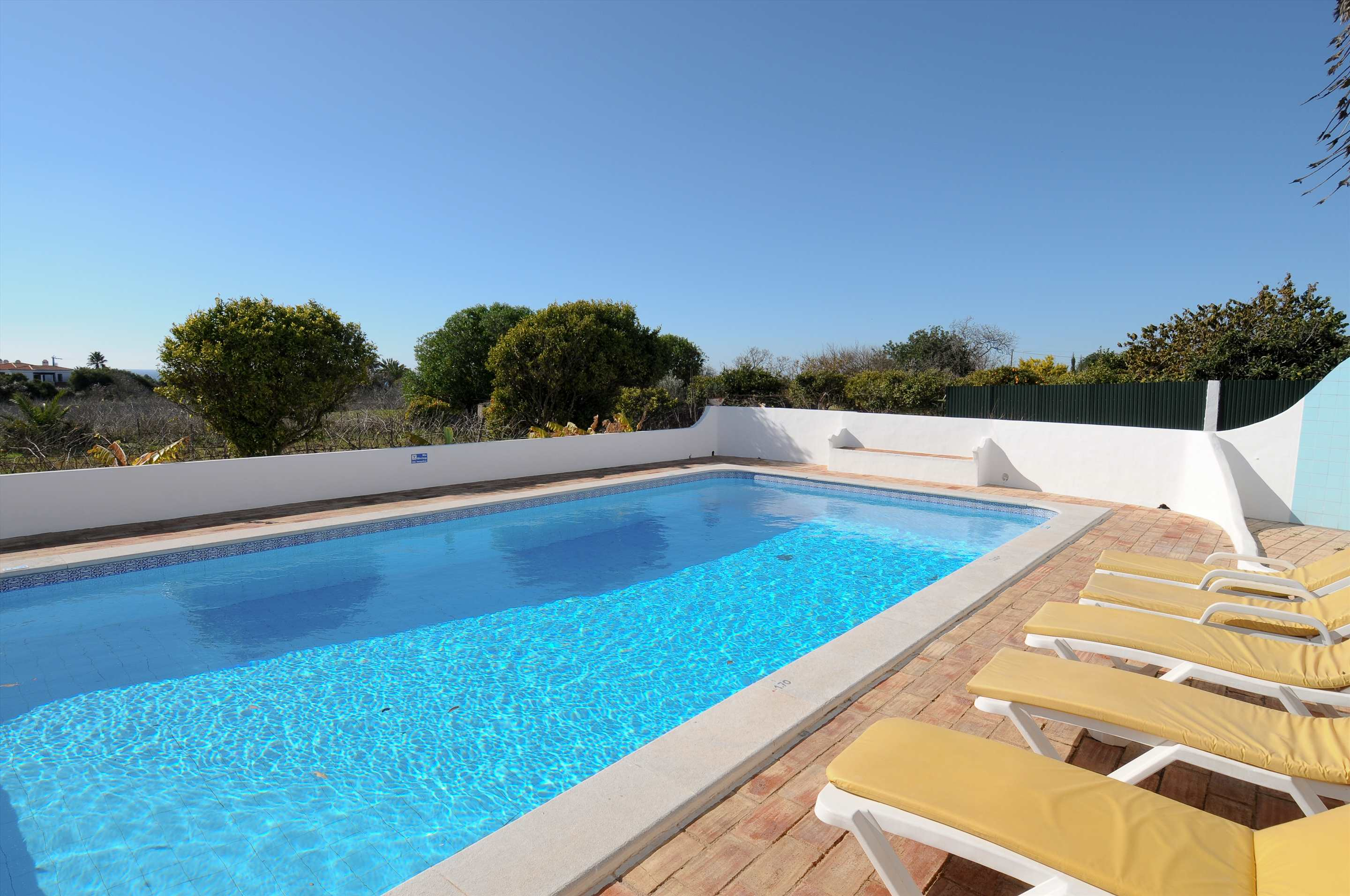 Casa Alexandra, 7-8 persons rate, 4 bedroom villa in Carvoeiro Area, Algarve Photo #2