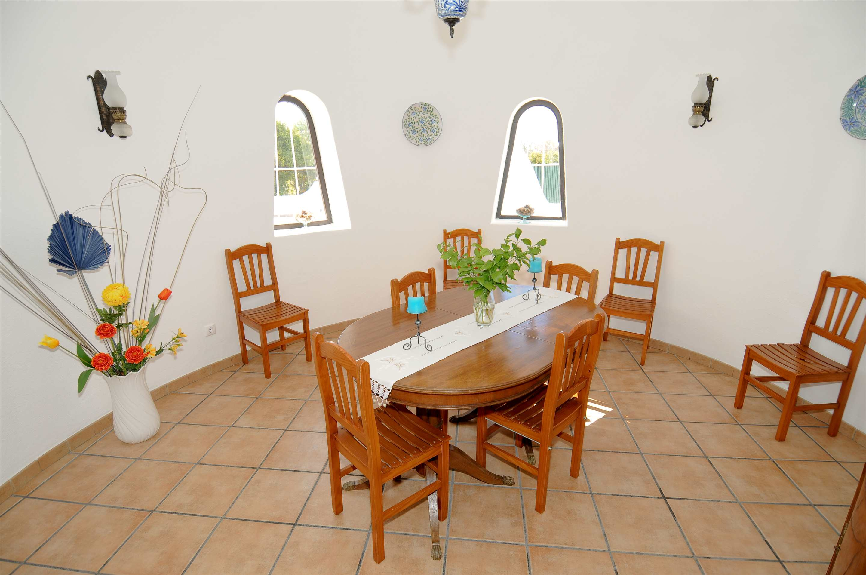 Casa Alexandra, 7-8 persons rate, 4 bedroom villa in Carvoeiro Area, Algarve Photo #4