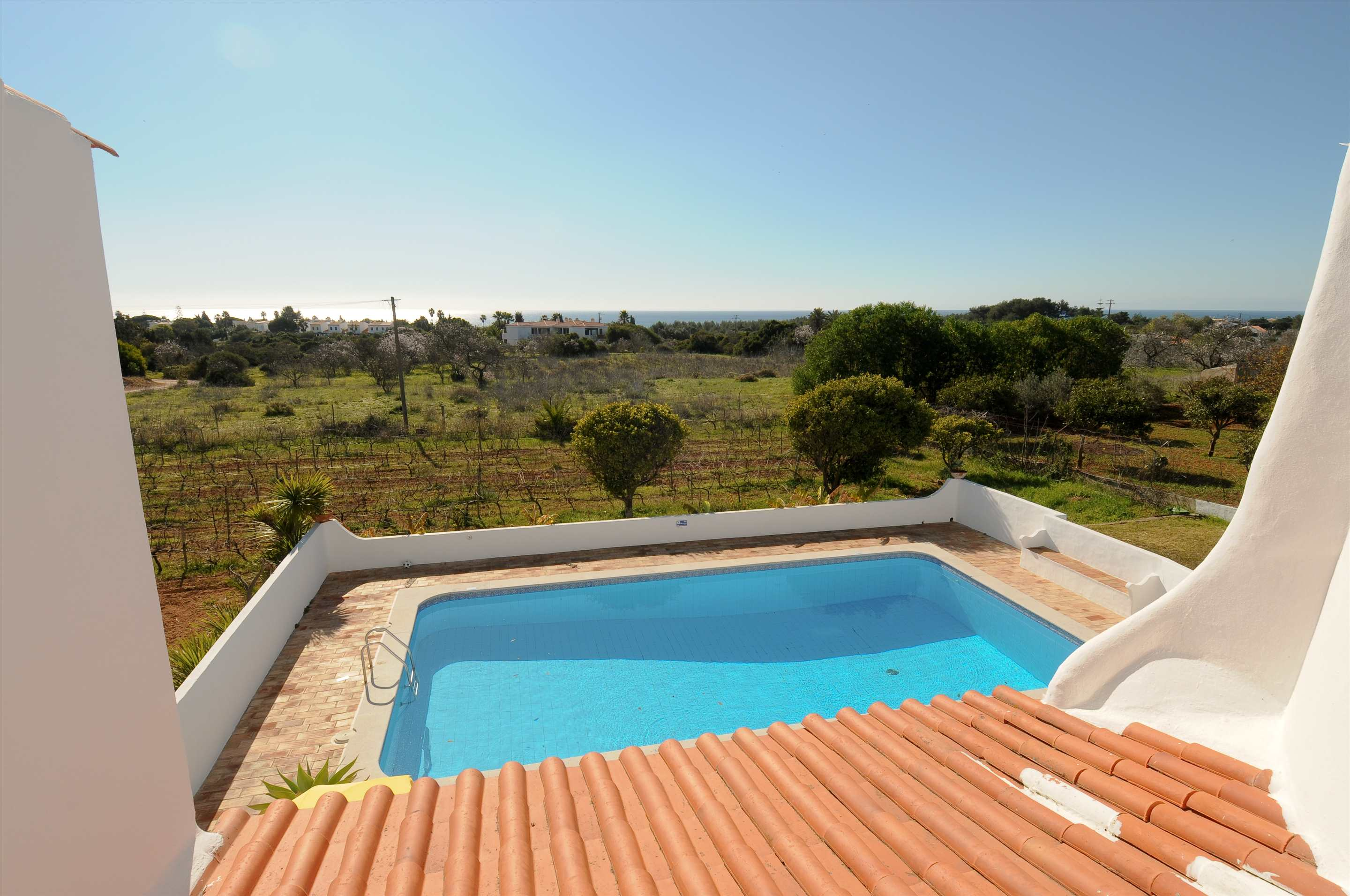 Casa Alexandra, 7-8 persons rate, 4 bedroom villa in Carvoeiro Area, Algarve Photo #6