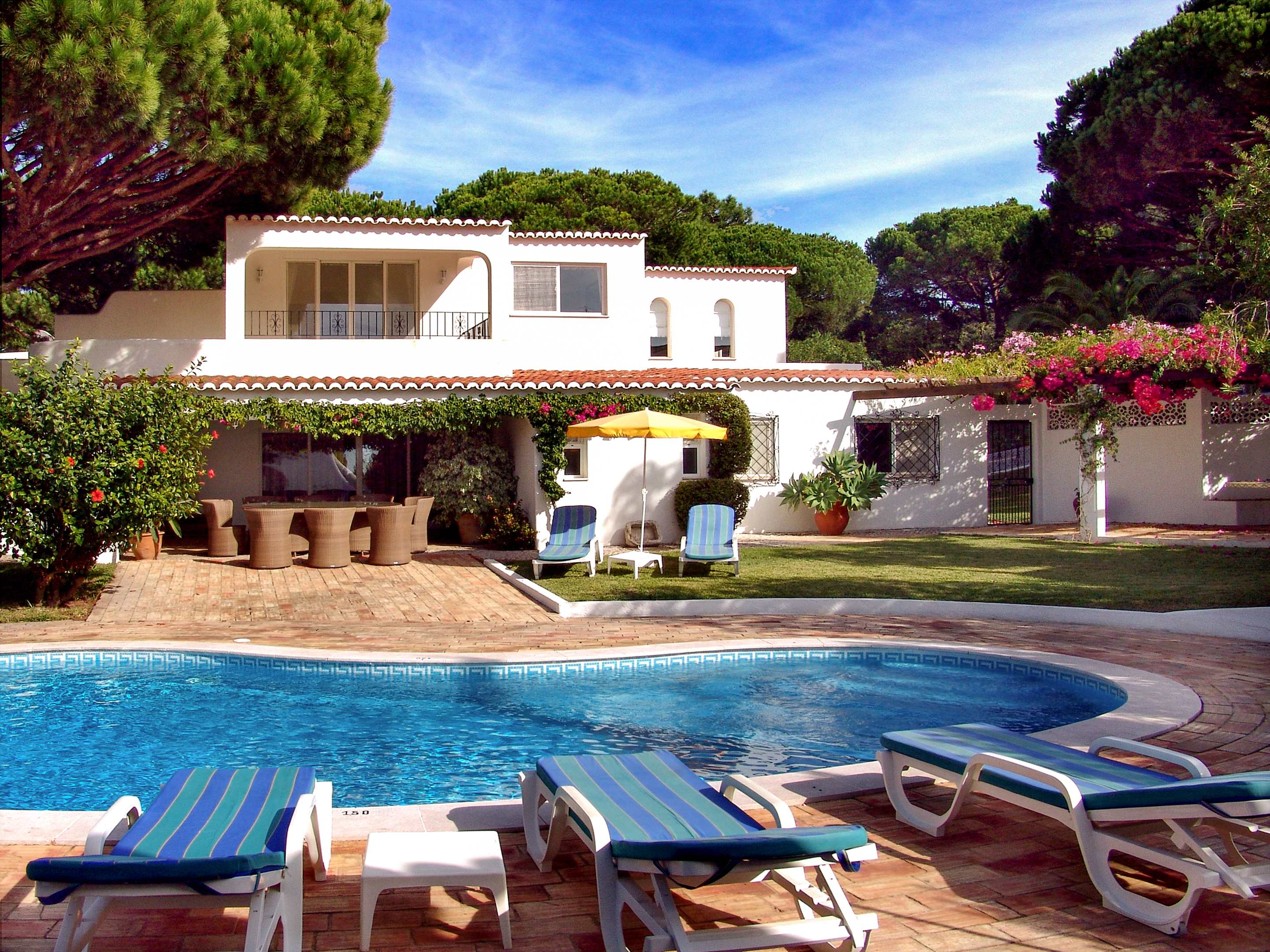 Villa Das Felicidades, 4 bedroom villa in Vale do Lobo, Algarve Photo #1
