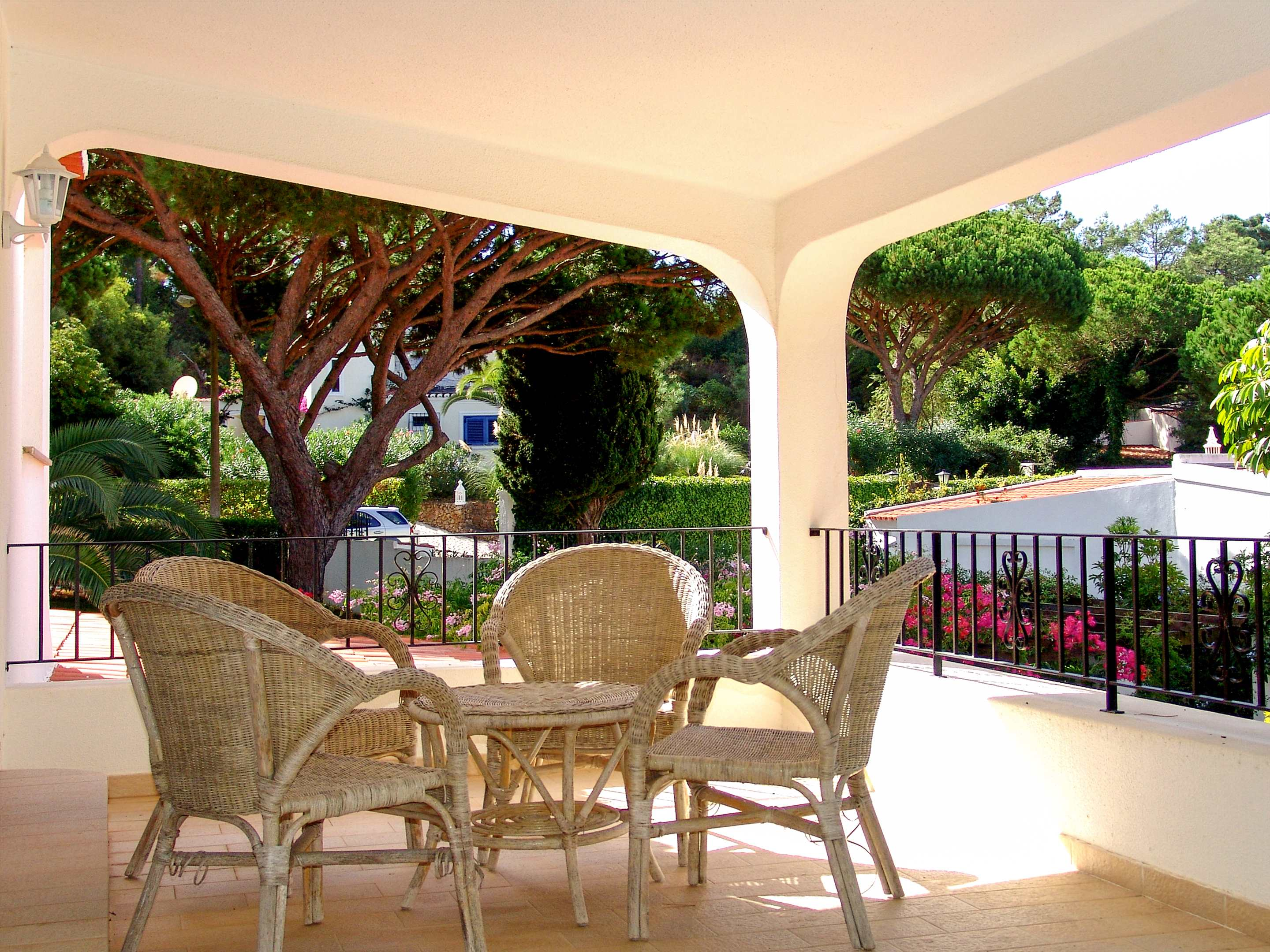 Villa Das Felicidades, 4 bedroom villa in Vale do Lobo, Algarve Photo #11