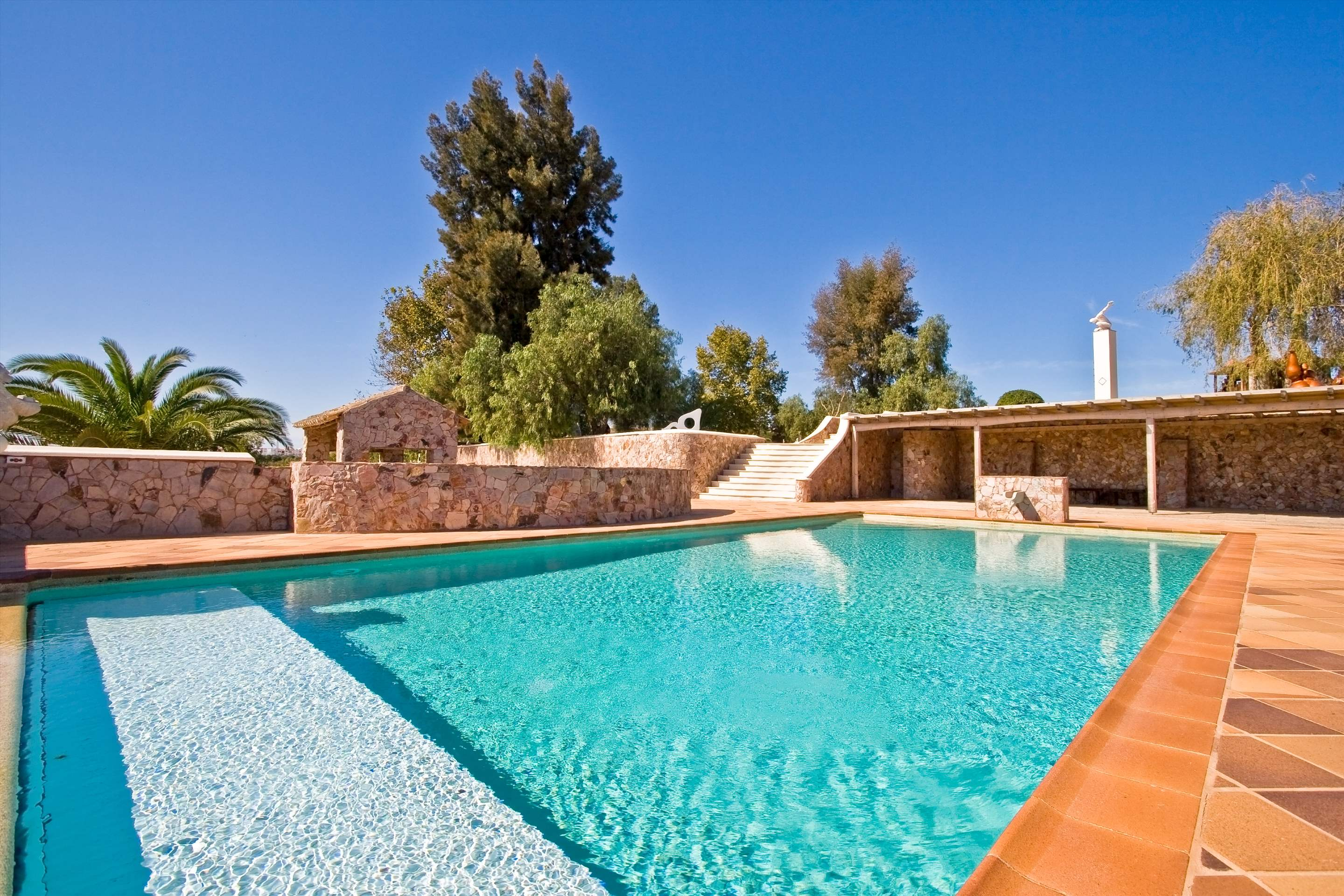 Casa Margarida, 2 bedroom villa in Carvoeiro Area, Algarve Photo #8