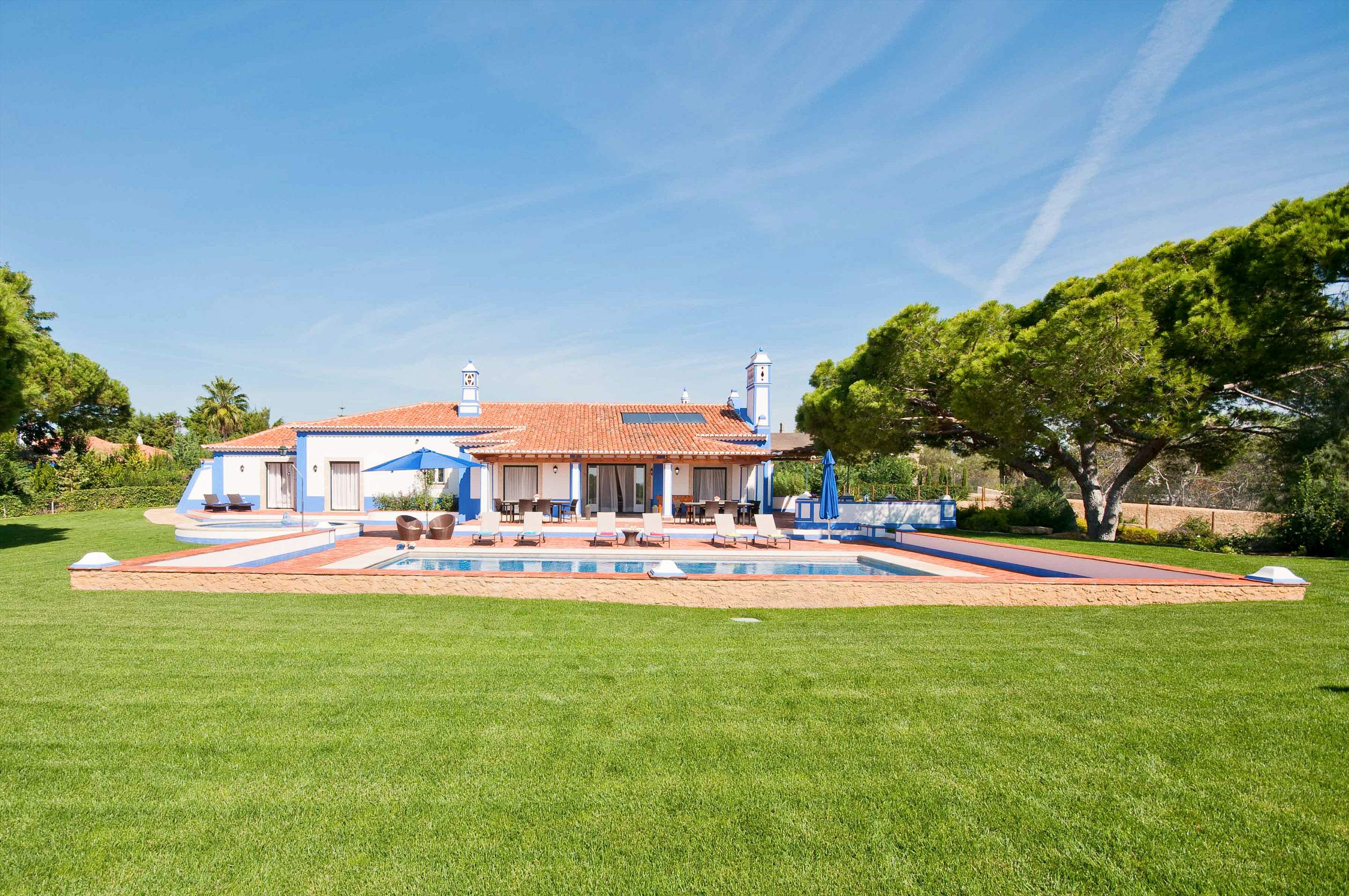 Villa Mirante 1, Five Bedroom Rate, 5 bedroom villa in Albufeira Area, Algarve Photo #2