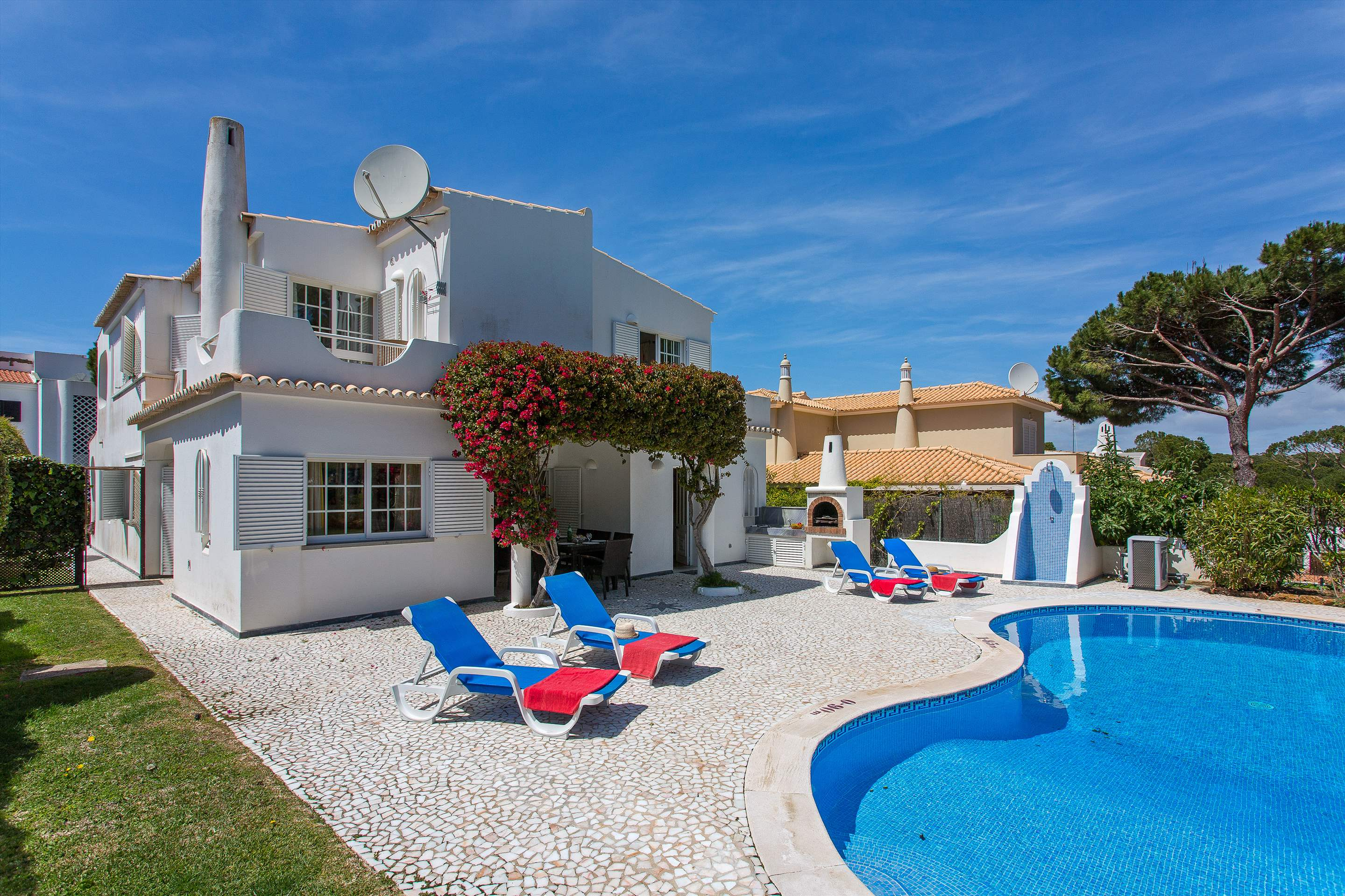Villa Casablanca, 4 bedroom villa in Vilamoura Area, Algarve Photo #1