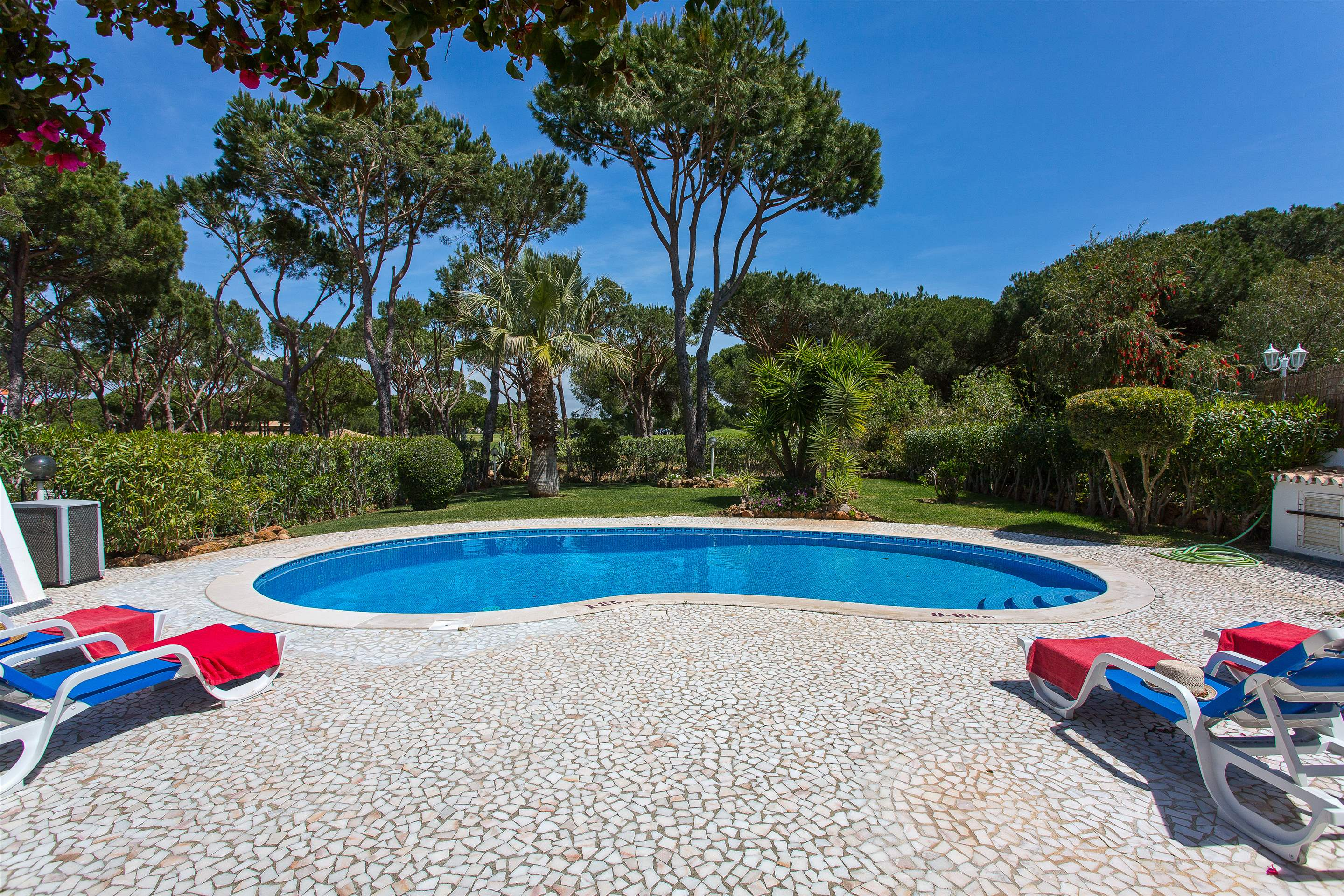 Villa Casablanca, 4 bedroom villa in Vilamoura Area, Algarve Photo #3