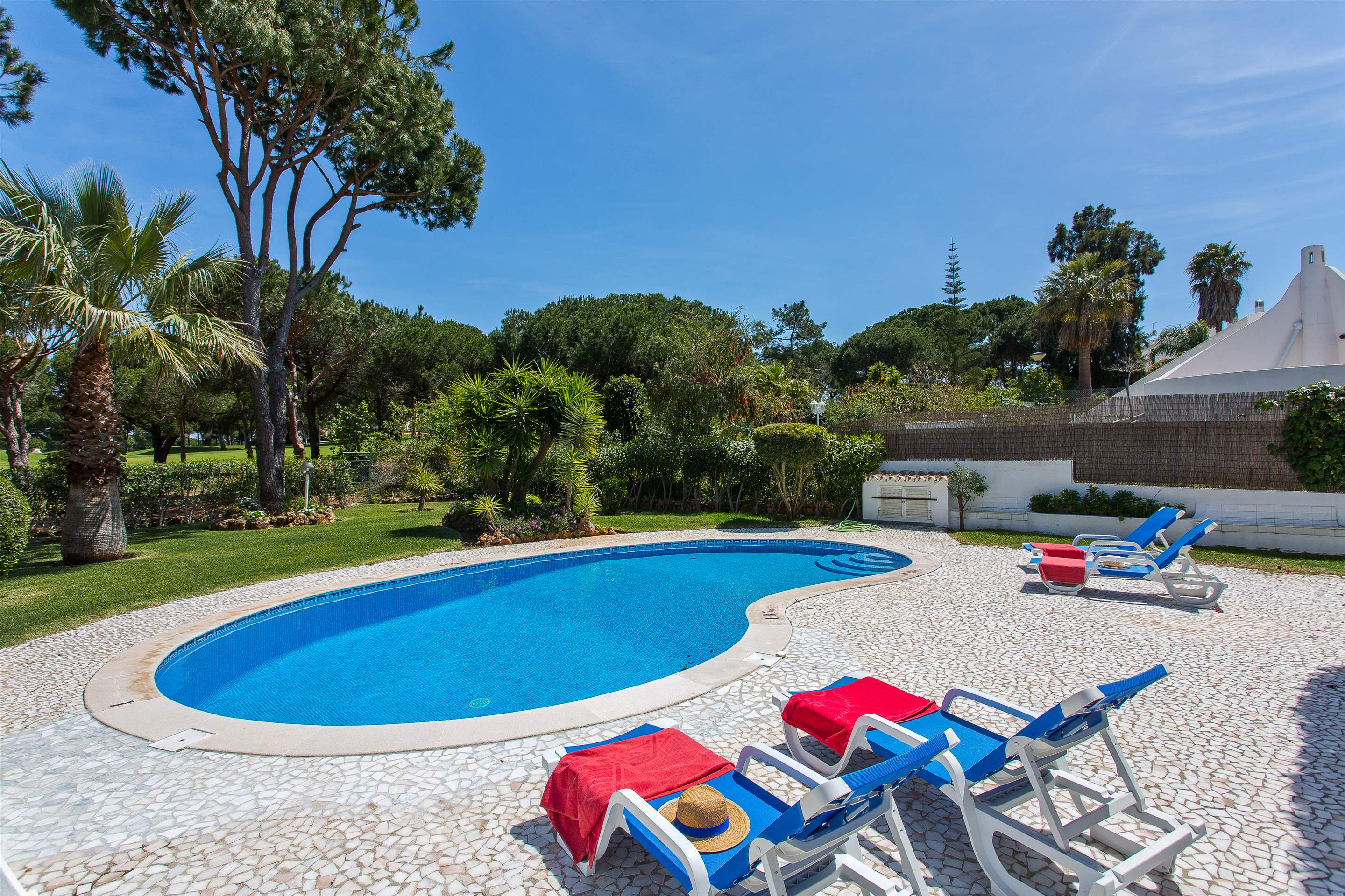 Villa Casablanca, 4 bedroom villa in Vilamoura Area, Algarve Photo #4