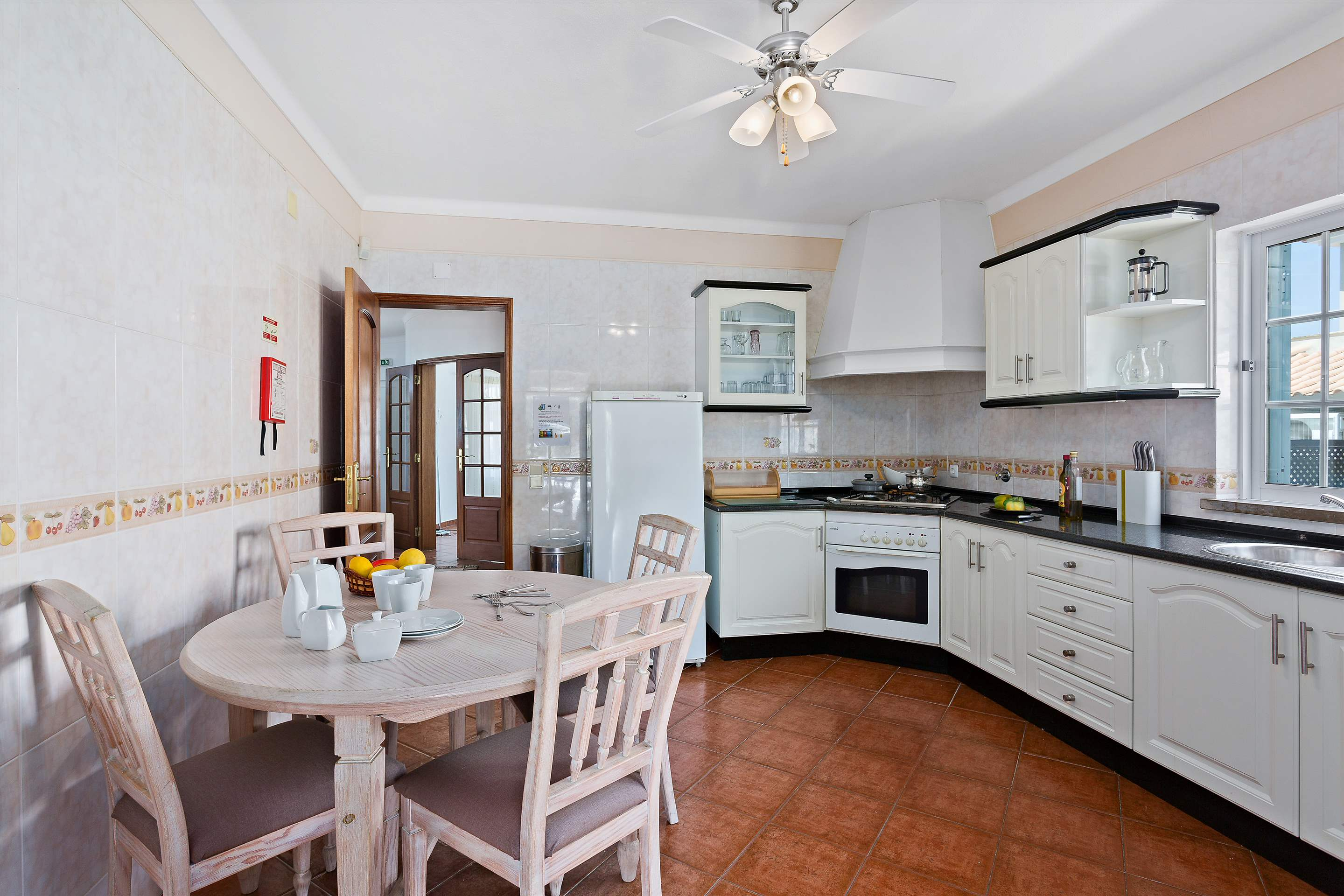 Villa Casablanca, 4 bedroom villa in Vilamoura Area, Algarve Photo #9