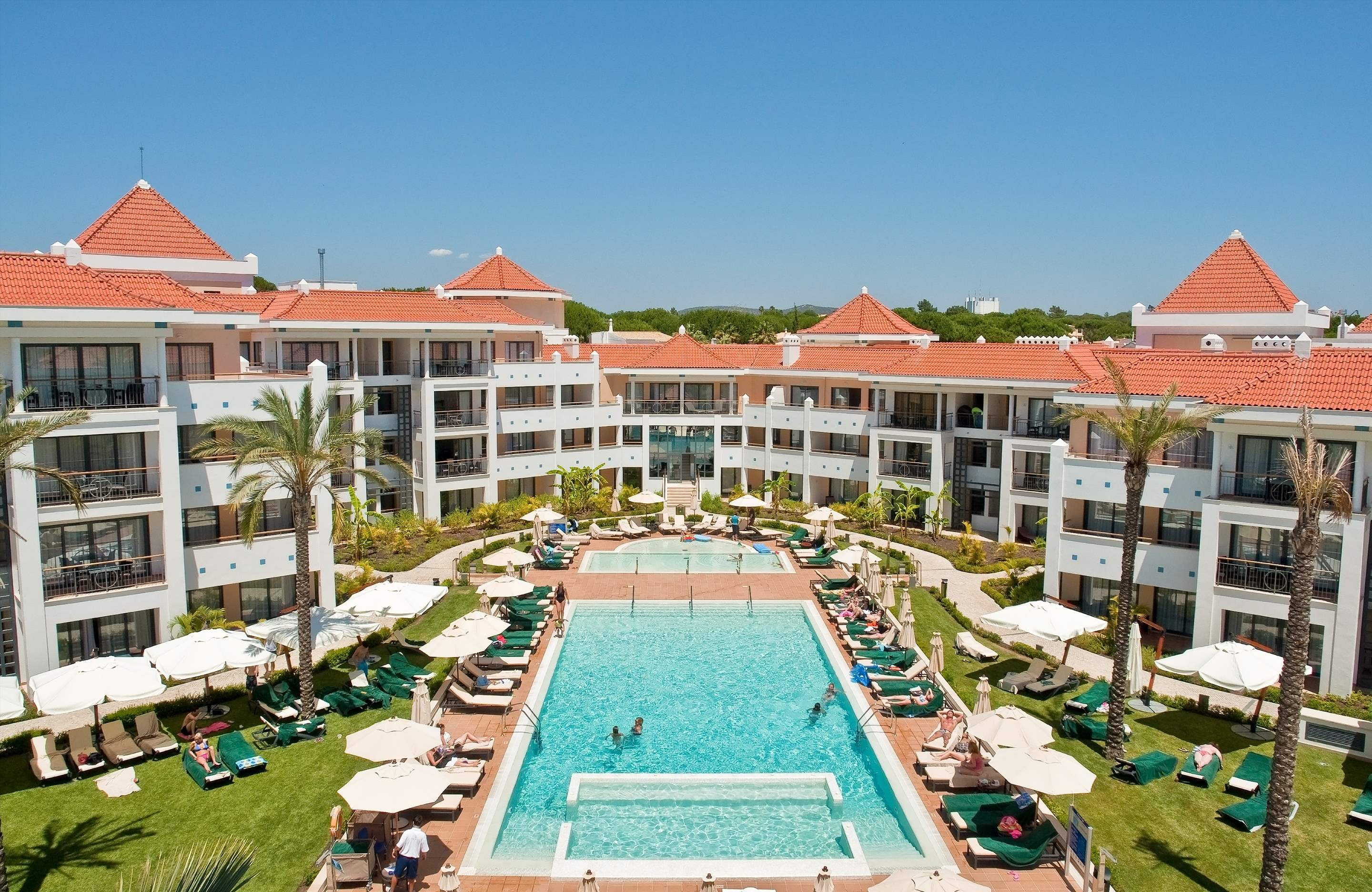 As Cascatas Four Bedroom Suite, Room Only, 4 bedroom apartment in As Cascatas Golf Resort & Spa, Algarve