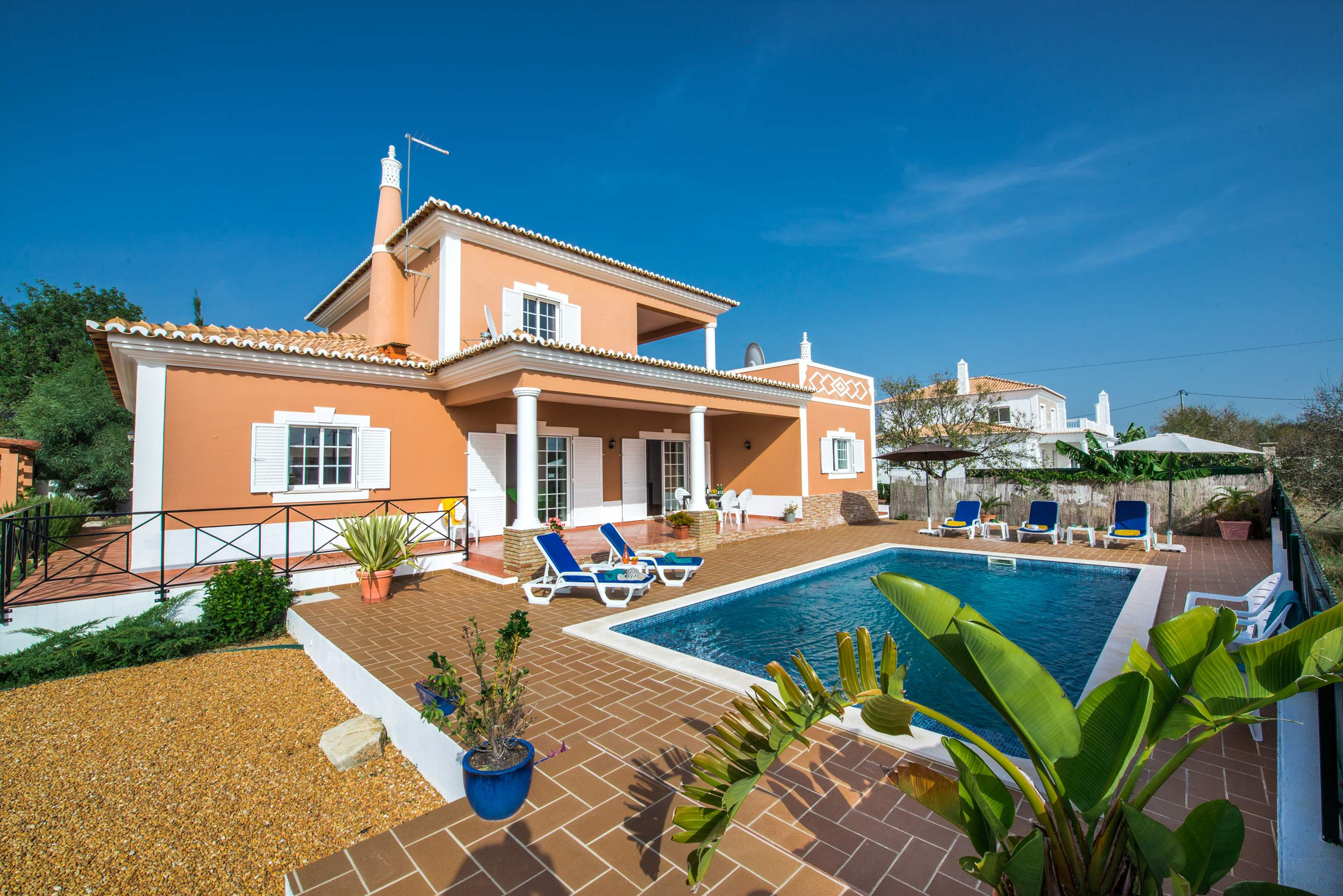 Casa Laura, 3 bedroom villa in Gale, Vale da Parra and Guia, Algarve