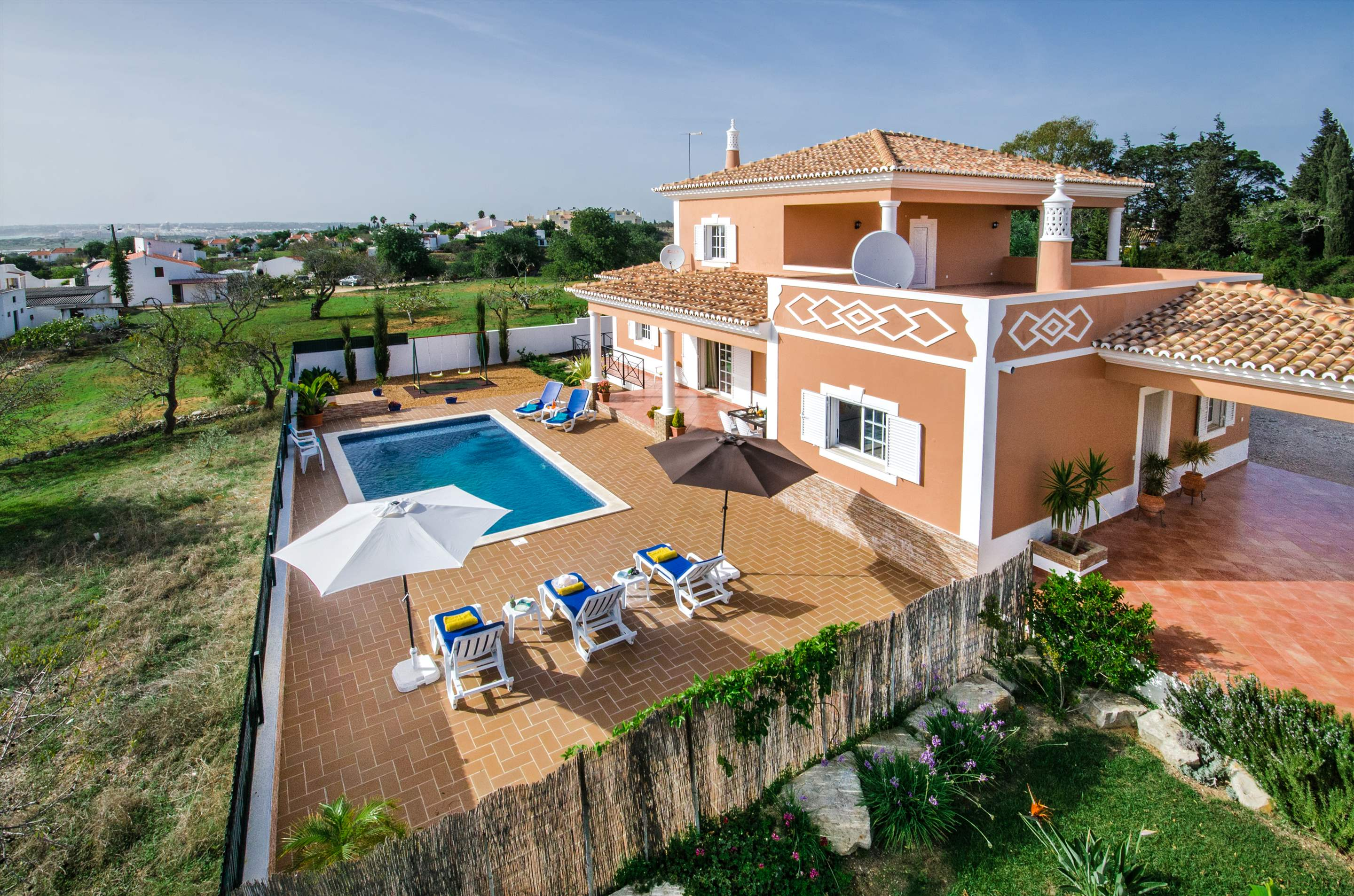 Casa Laura, 3 bedroom villa in Gale, Vale da Parra and Guia, Algarve Photo #15